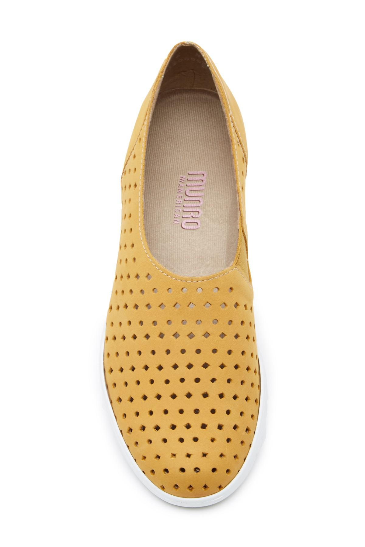 Munro Skipper Perforated Leather