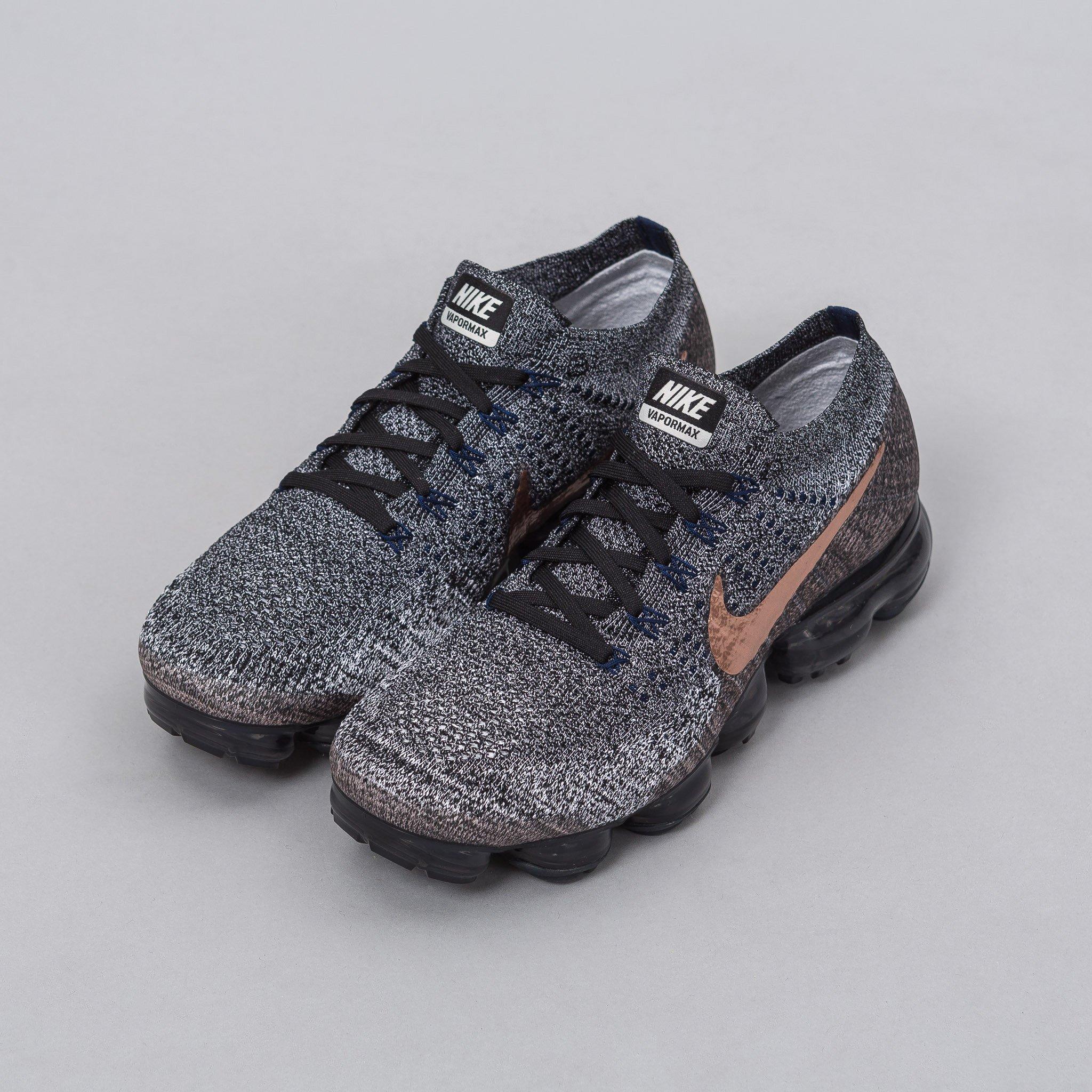 ee4484d17d3 Lyst - Nike Air Vapormax Flyknit In Black metallic Bronze in ...