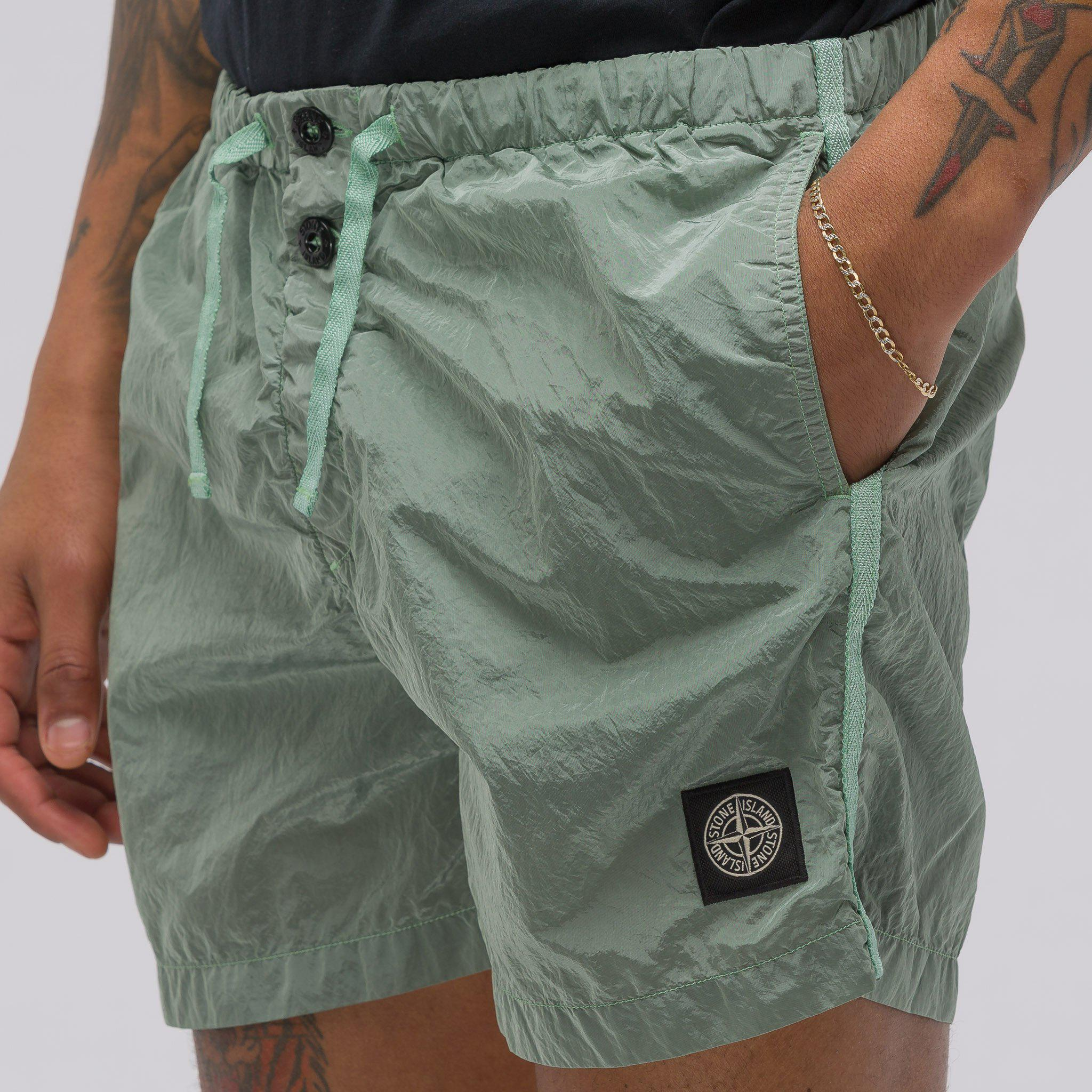 f151553346 Stone Island B0643 Shorts In Green in Green for Men - Lyst