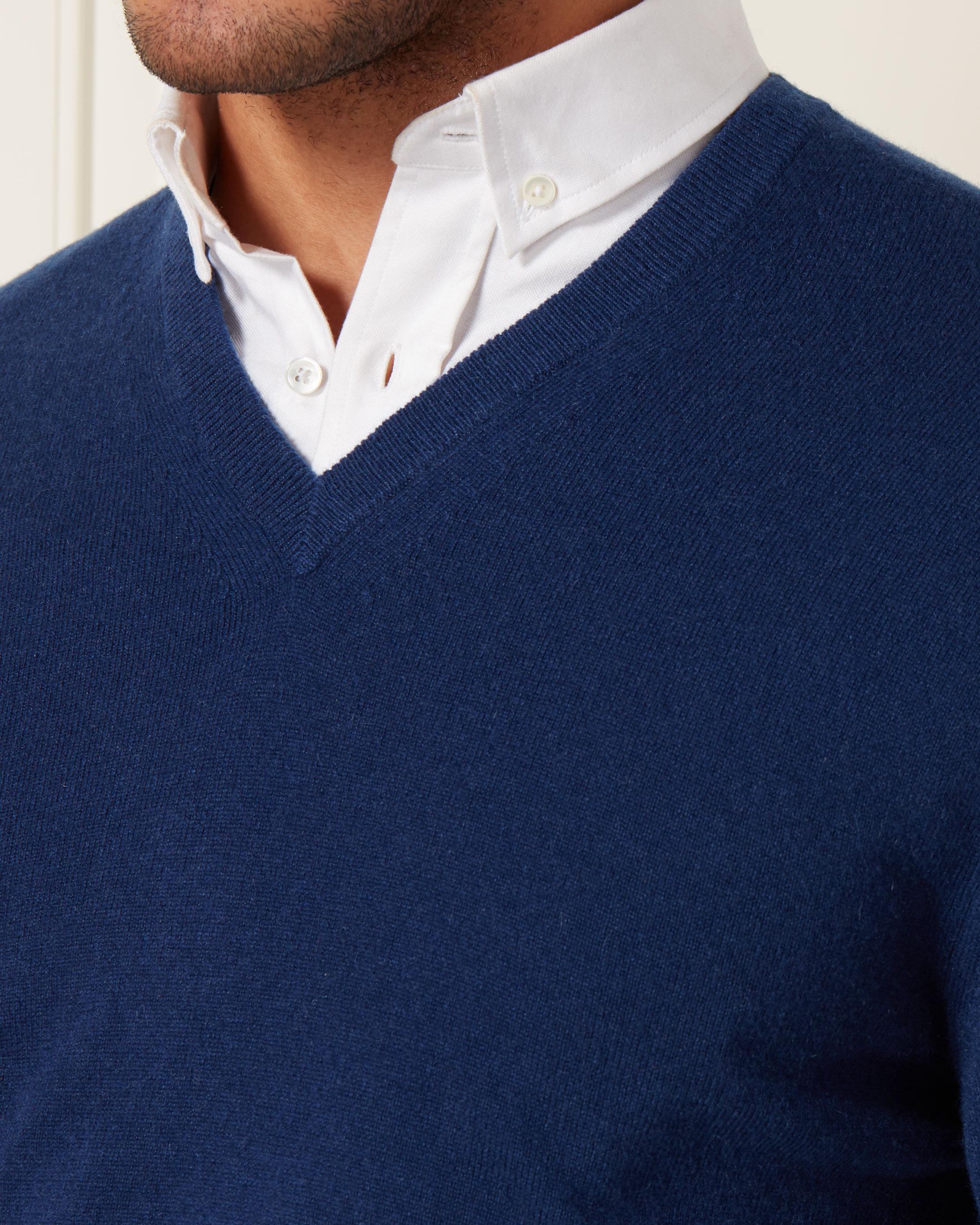 N.Peal Cashmere The Burlington V Neck 1ply Cashmere Sweater in Blue for Men