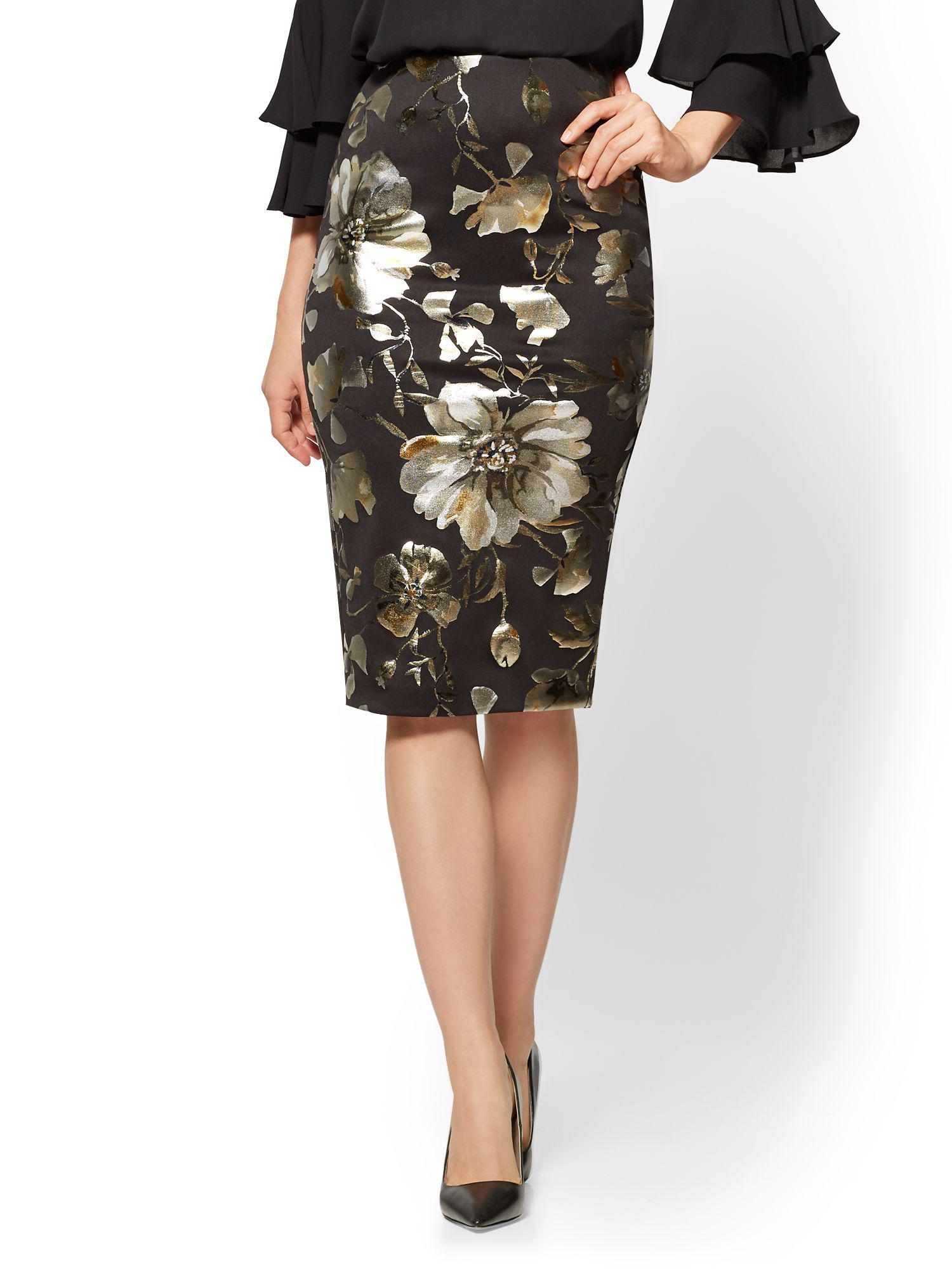5531e2f5b52 Lyst - New York   Company Pull-on Pencil Skirt - Metallic-foil ...
