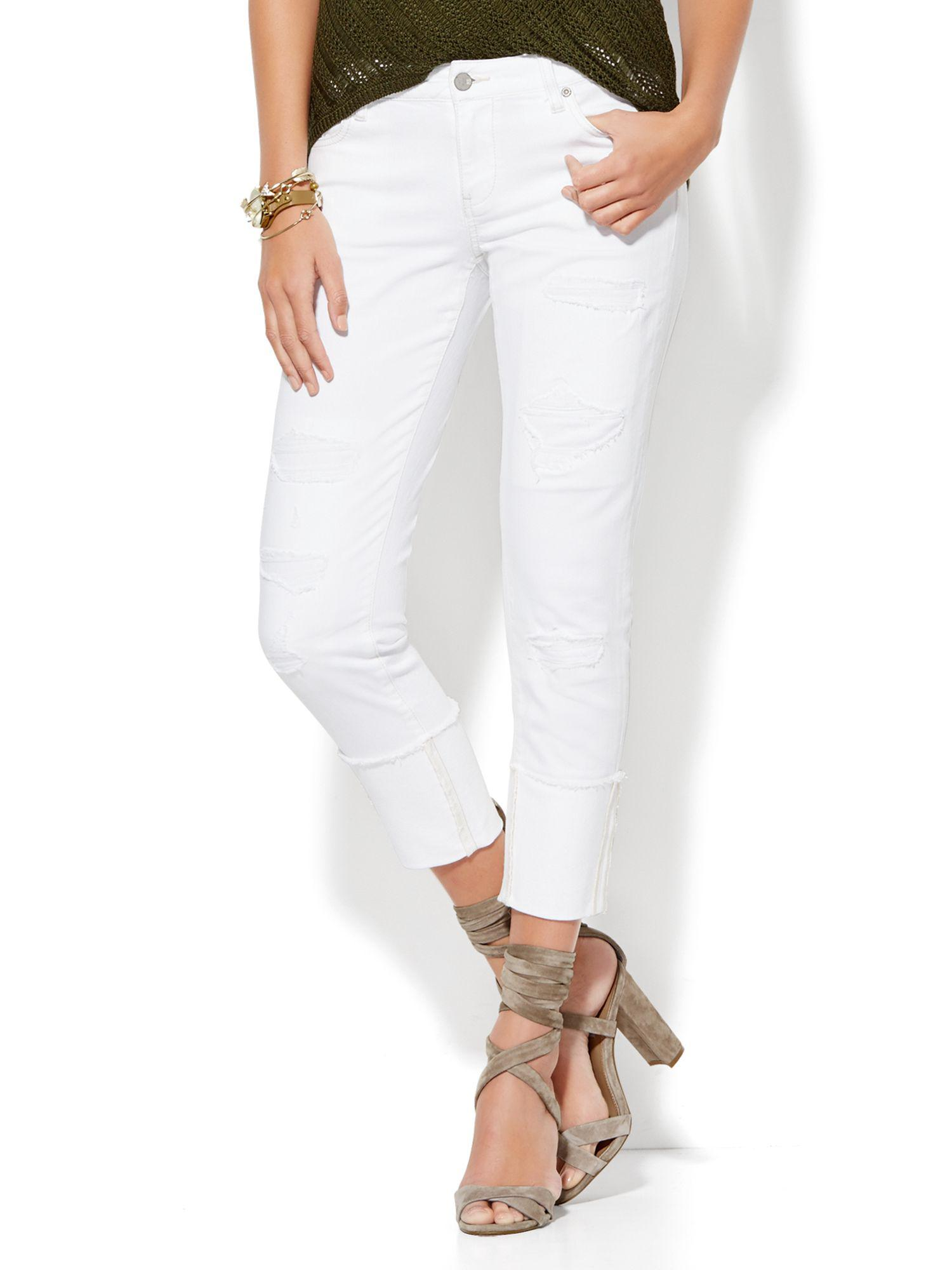 0d13f6de121 Gallery. Previously sold at  New York   Company · Women s Canvas Jeans ...