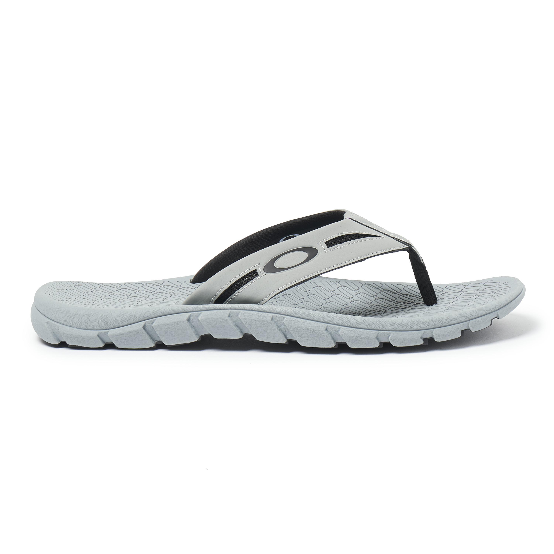 f7495874bb9 Lyst - Oakley Operative Sandal 2.0 in Gray for Men