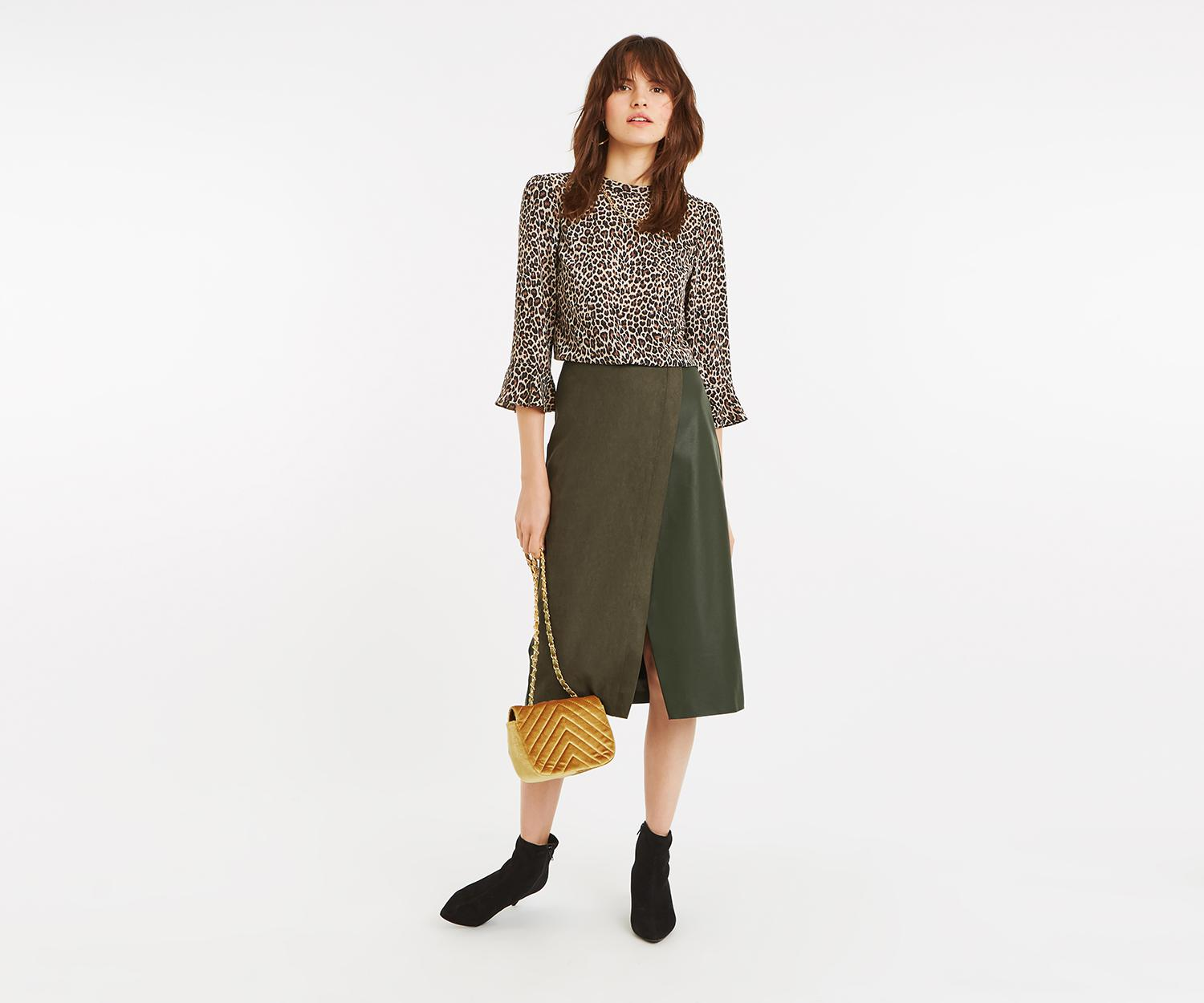 21543e68a5 Oasis - Green Faux Suede Midi Skirt - Lyst. View fullscreen