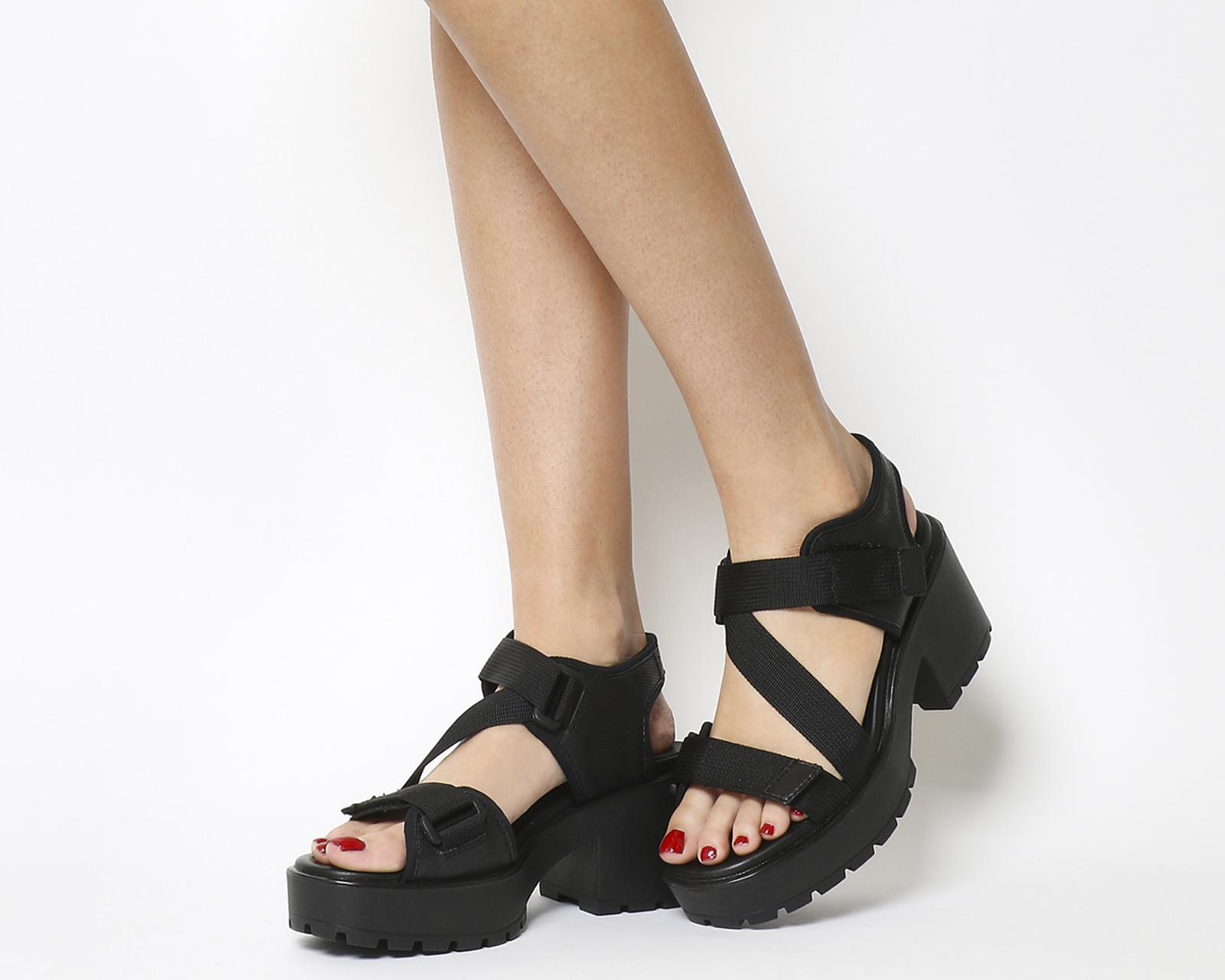 c2c21b404bb Vagabond Black Dioon Sandal
