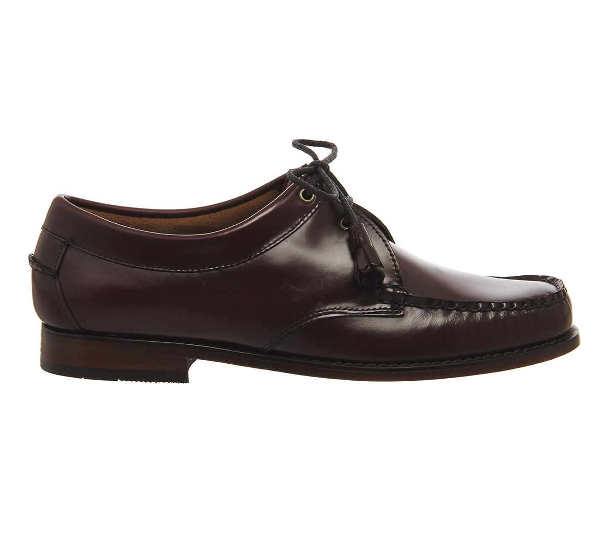 bass products found GH Bass Shoes are founded on the very best materials and skilled workmanship. With a legacy spanning years you can be guaranteed that this brand knows what they are talking about when it comes to fine footwear.