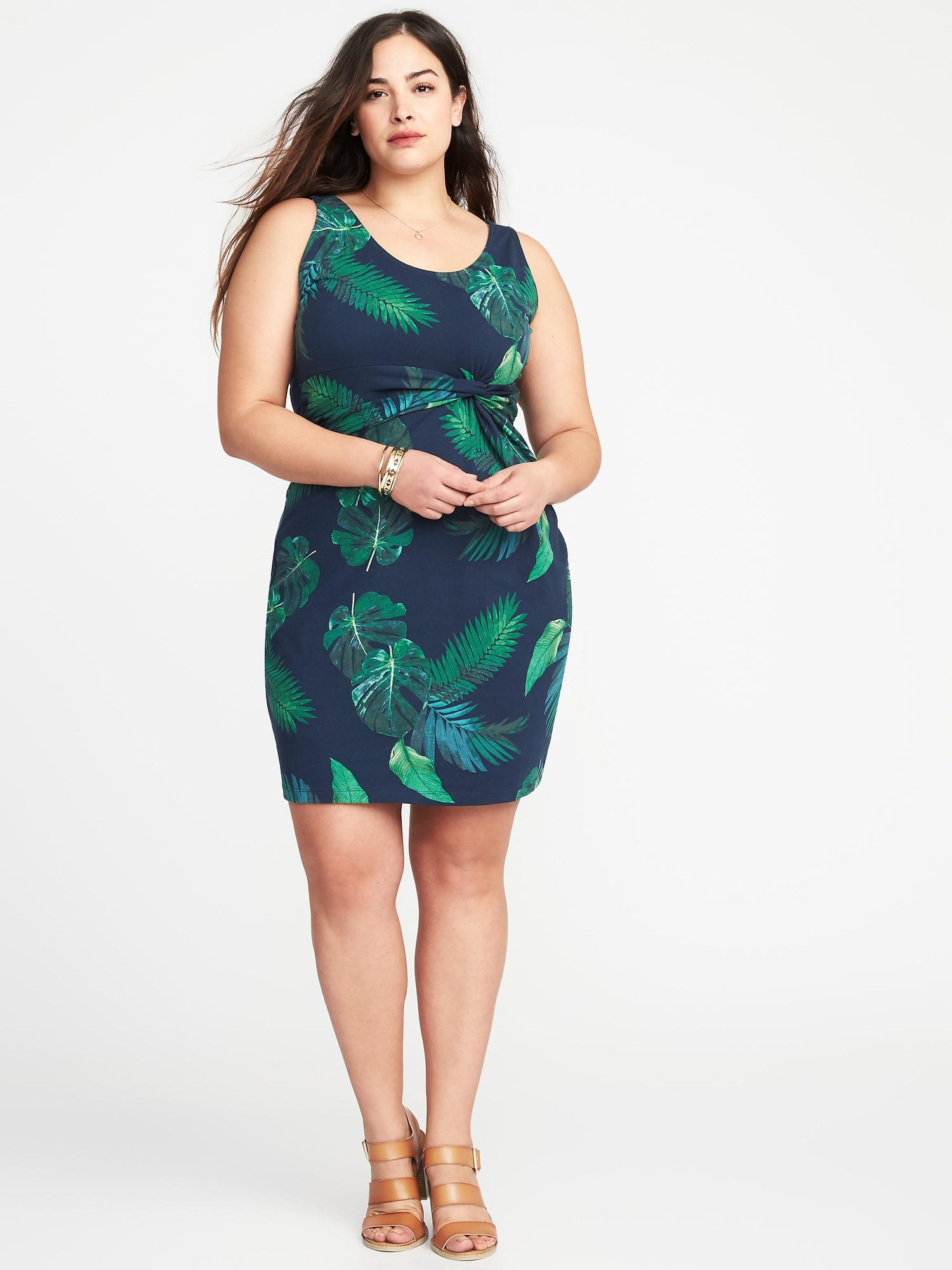 Plus-size Sleeveless Twist-front Bodycon Dress