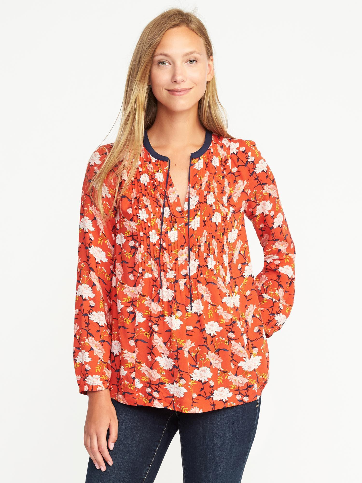 e2643edb6b840 Gallery. Previously sold at  Old Navy · Women s Embellished Shirts ...