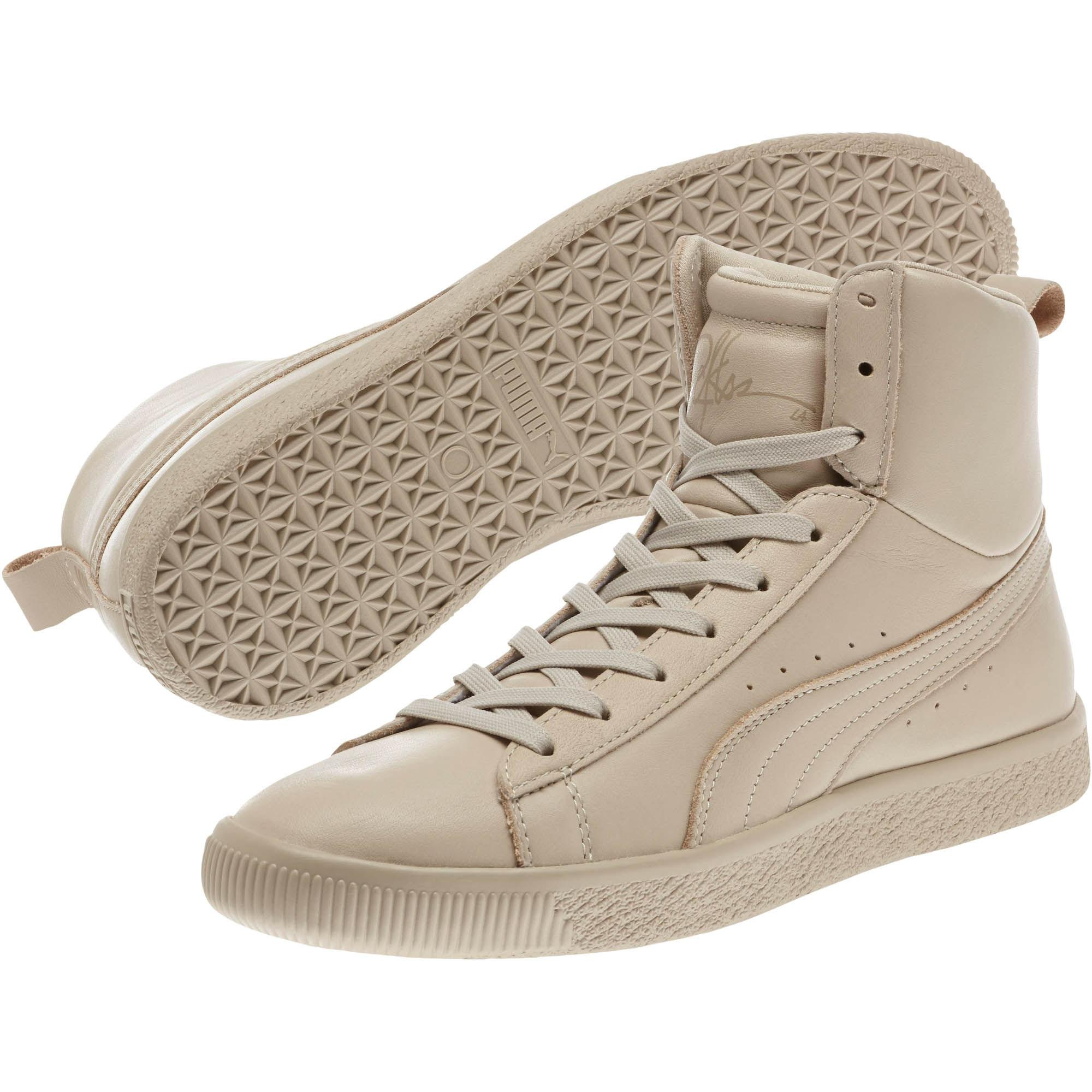 Young \u0026 Reckless Clyde Mid Sneakers