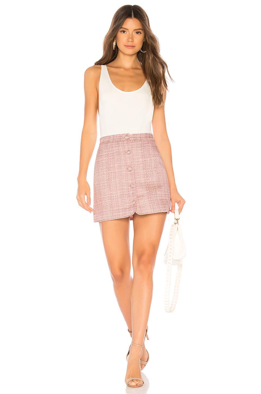 Jupe Mini Boutonnée Ariah Tweed MAJORELLE en coloris Rose