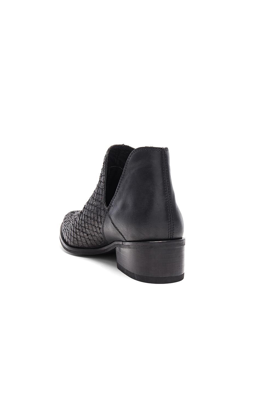 Kaanas Arabia Leather Bootie in Black