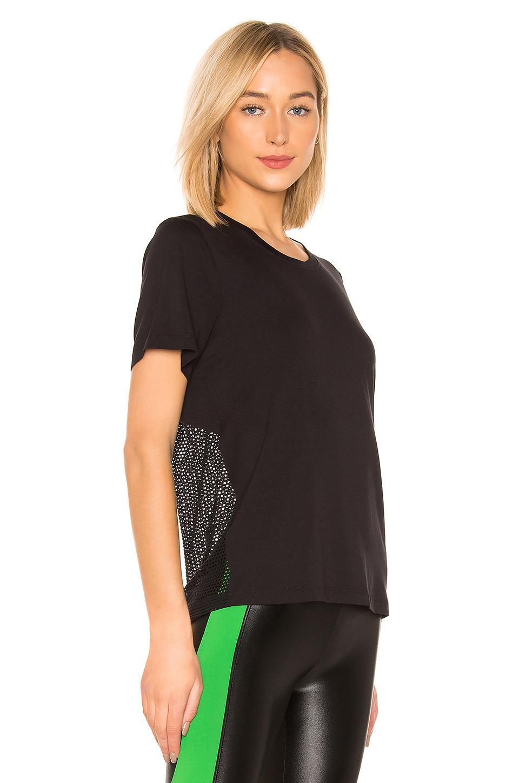 Camiseta arabela brisa Koral de color Negro