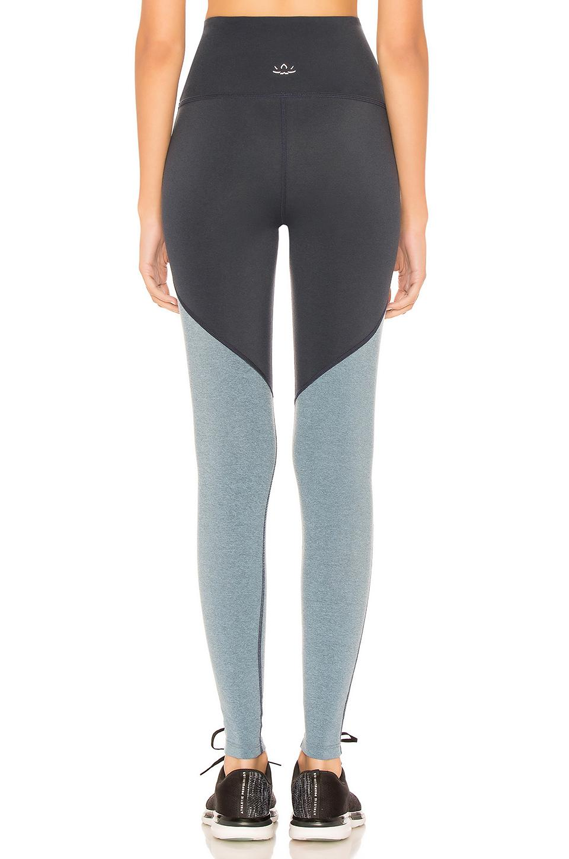e51d70c098a7f Beyond Yoga Plush Angled High Waisted Midi Legging in Blue - Lyst