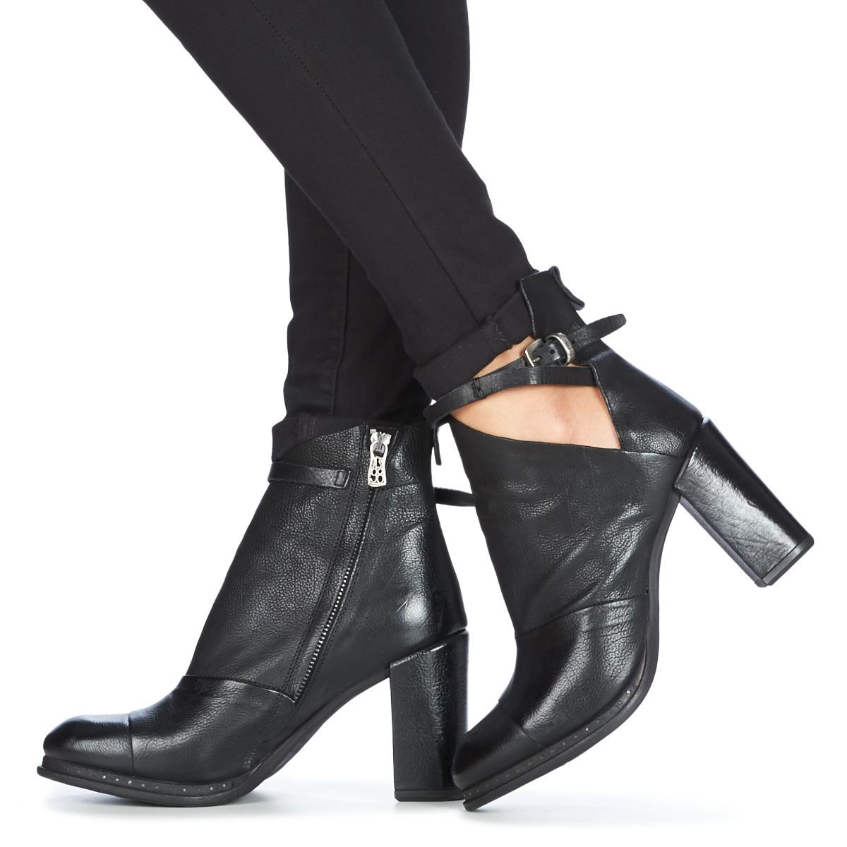 A.s.98 Petian Low Ankle Boots in Black
