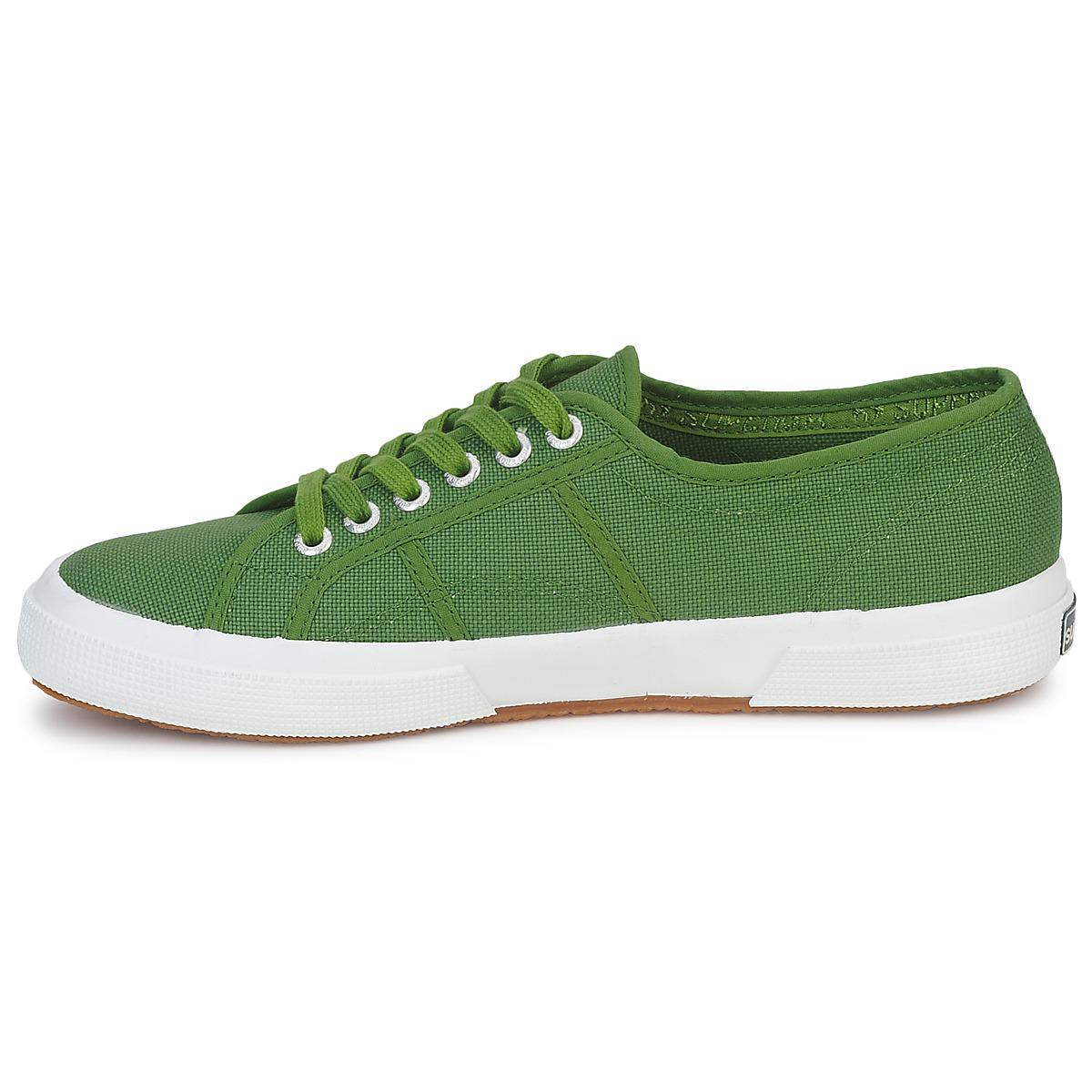 Superga 2750 Cotu Classic Shoes (trainers) in Green