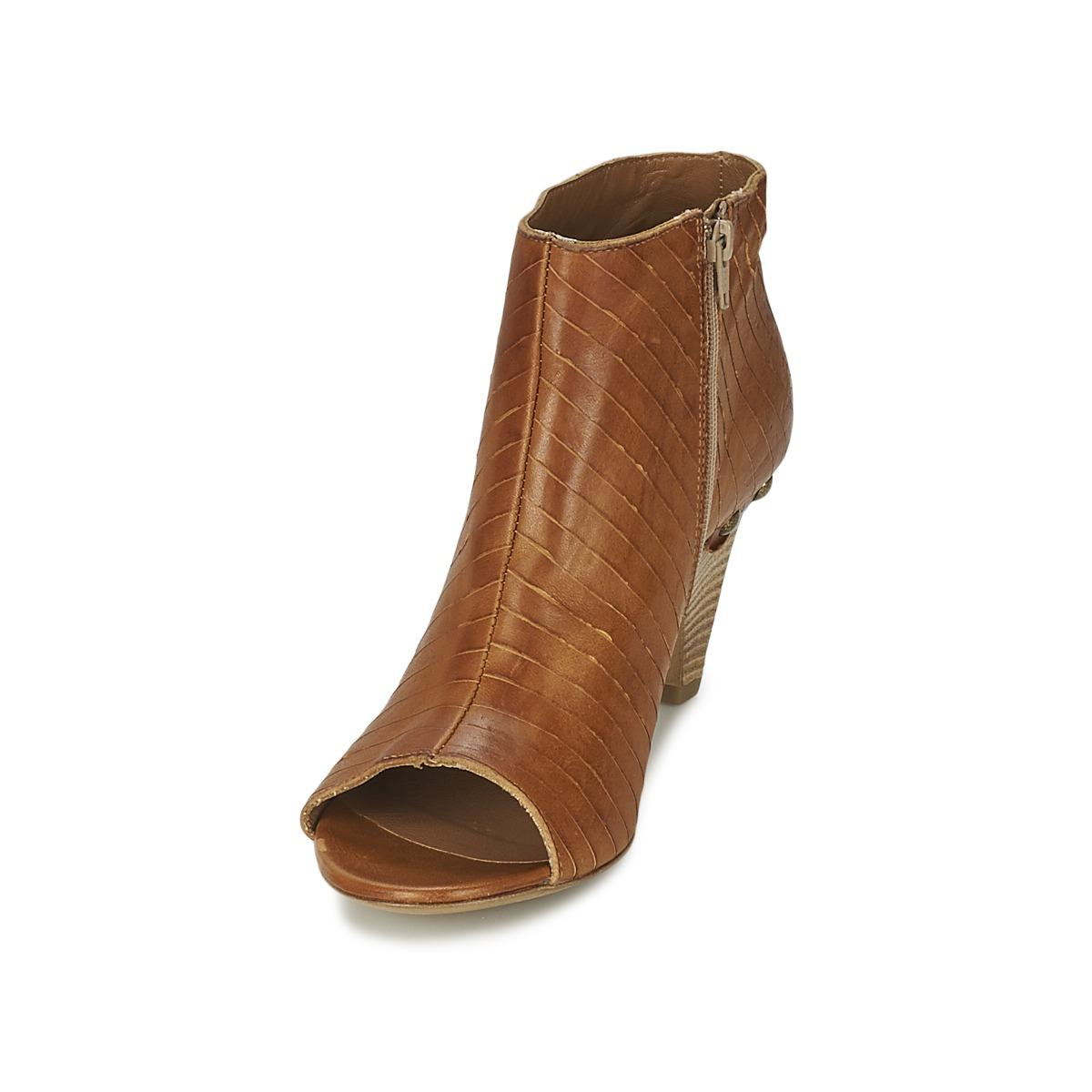 Vic Matié Leather Gonco Low Boots in Brown - Save 10%