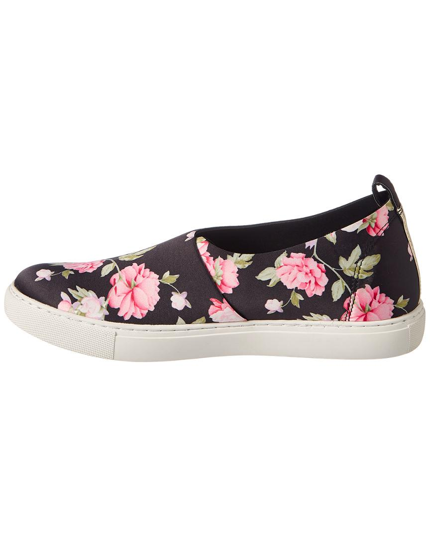 Kenneth Cole Rubber Kathy Slip On Sneaker Stretch Upper in Pink
