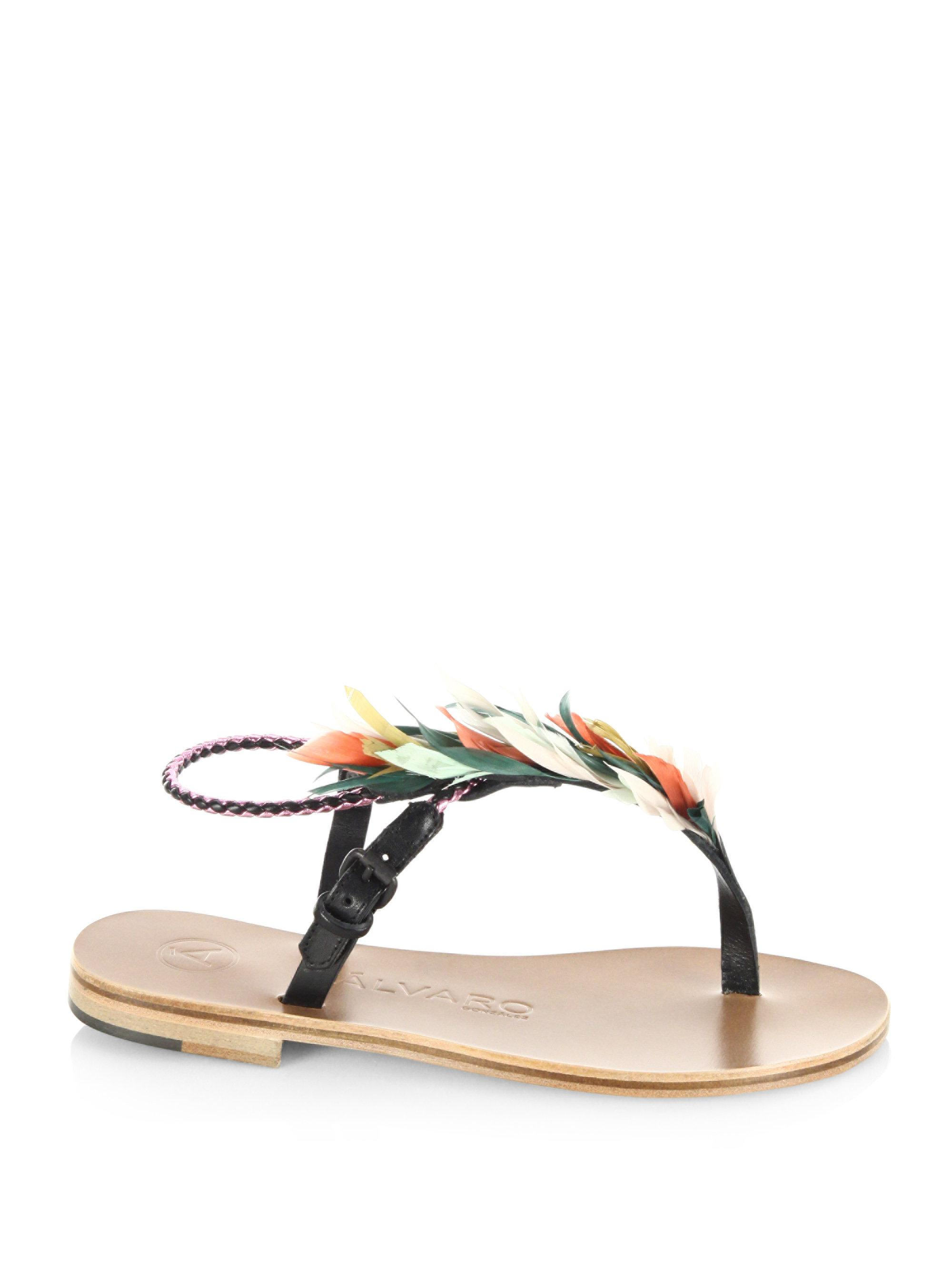 álvaro Asymmetric Feather Sandals