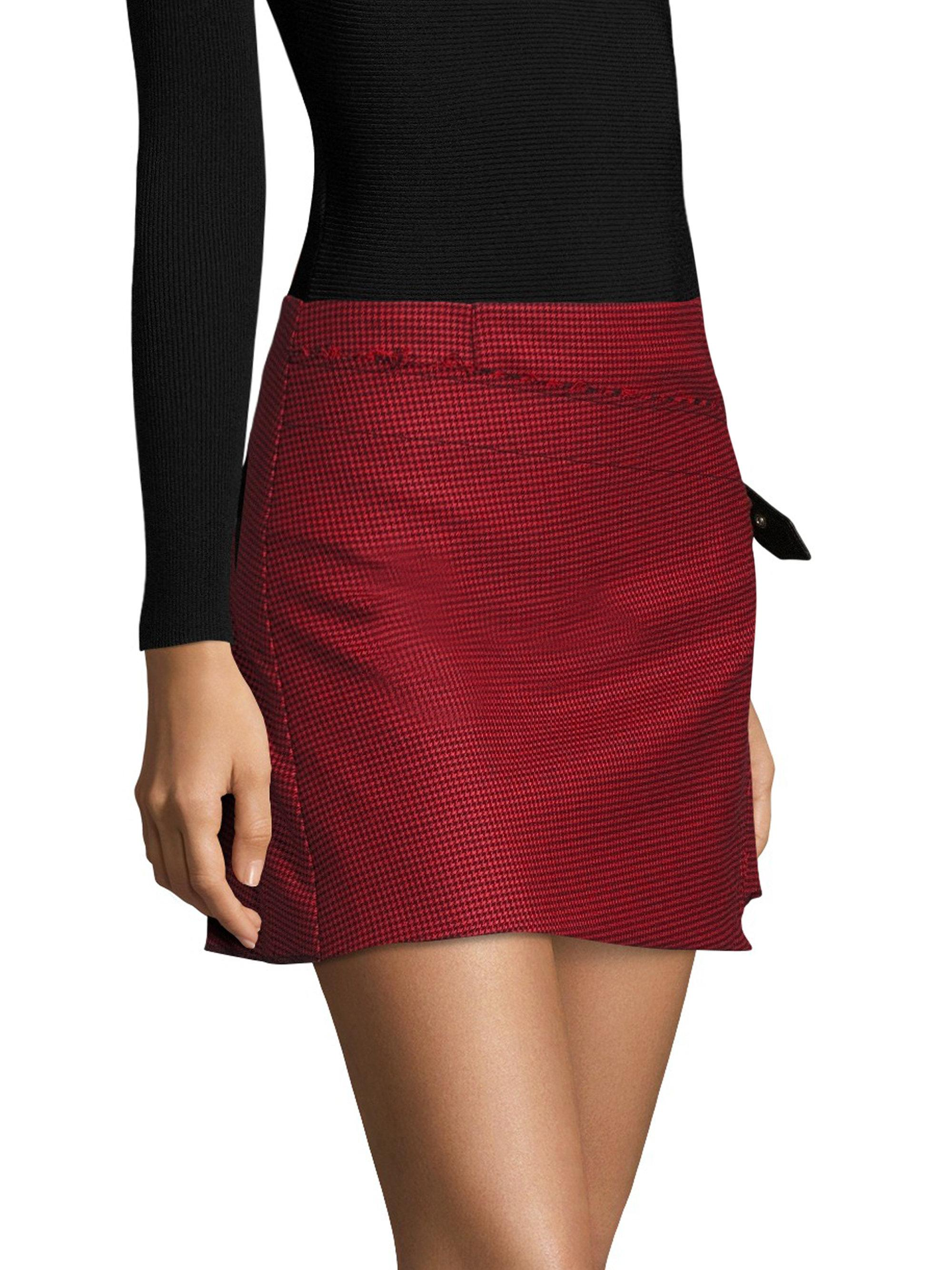 ae7a498811 Gallery. Previously sold at: Saks Fifth Avenue · Women's Houndstooth Skirts