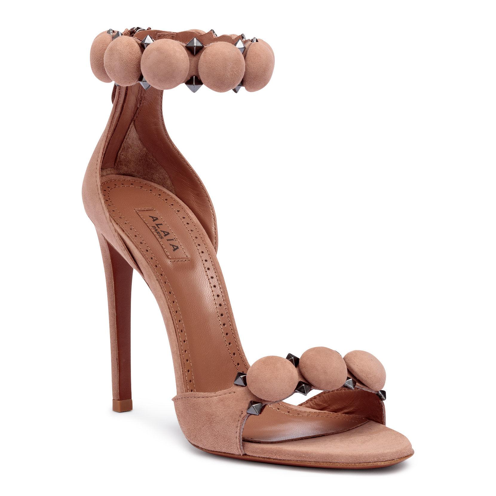 2a480673fc6f Alaïa Beige Suede Bomb Sandals in Natural - Save 27% - Lyst