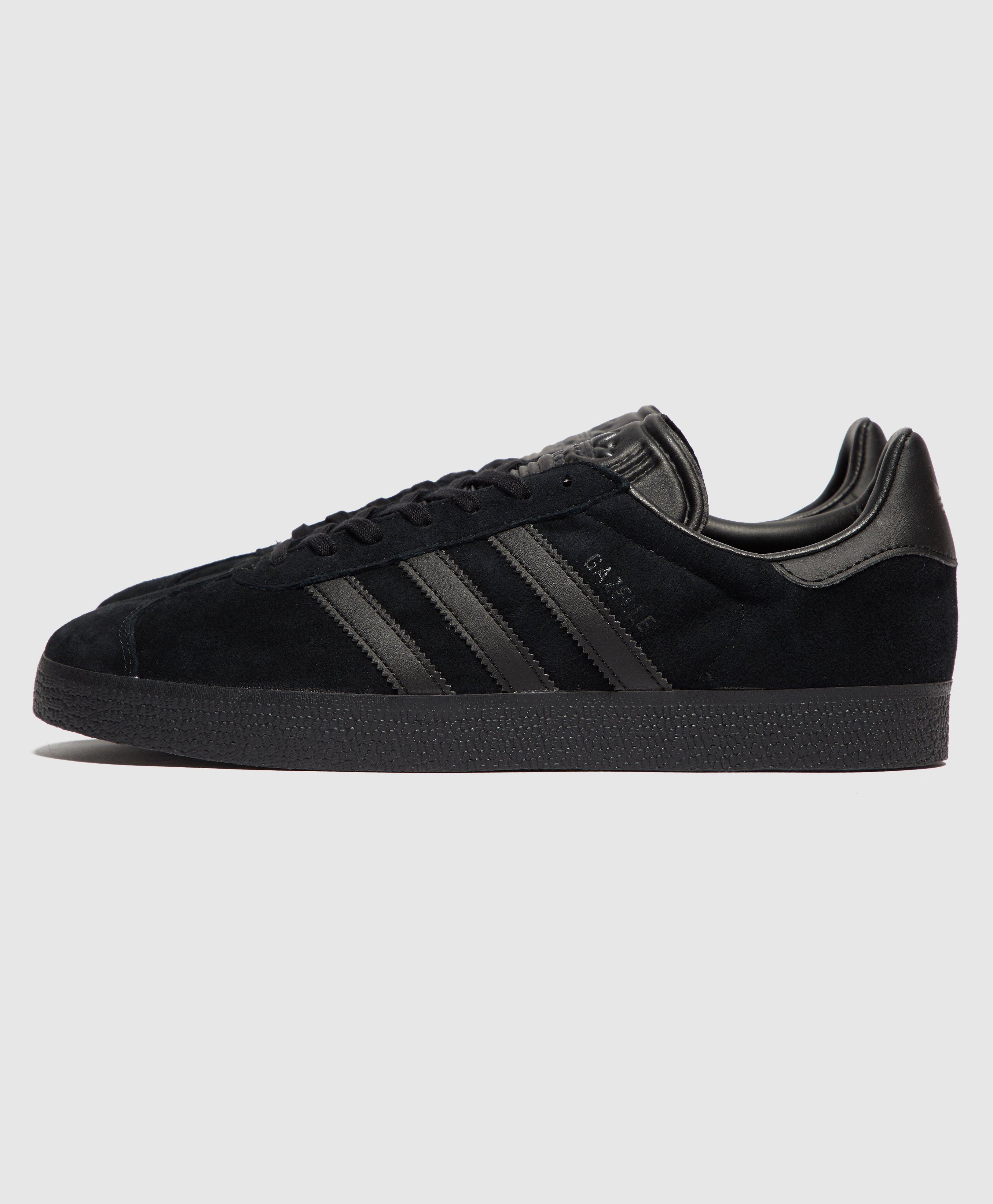 adidas Originals Suede Gazelle in Black