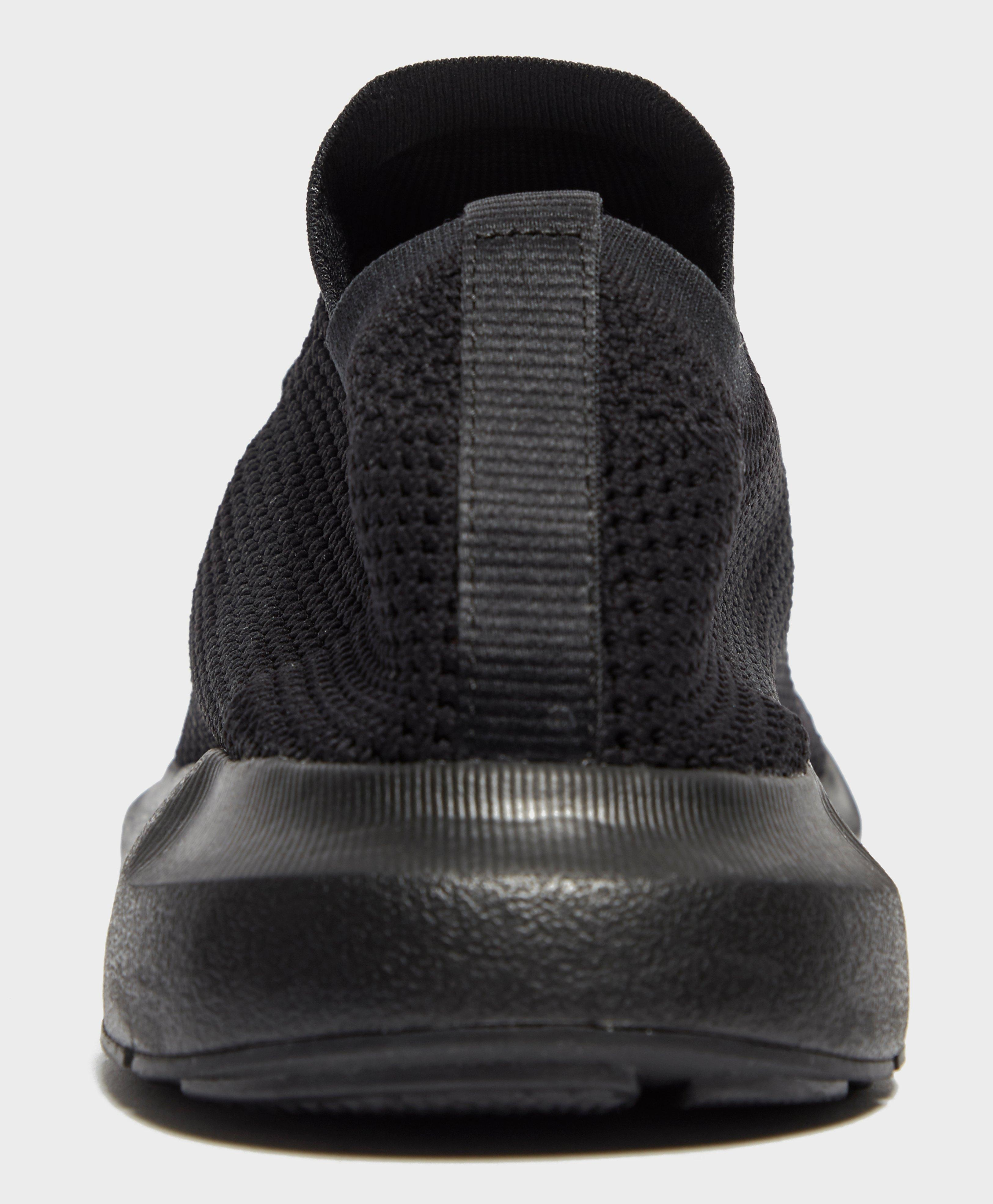 adidas Originals Synthetic Swift Run Pk in Black for Men