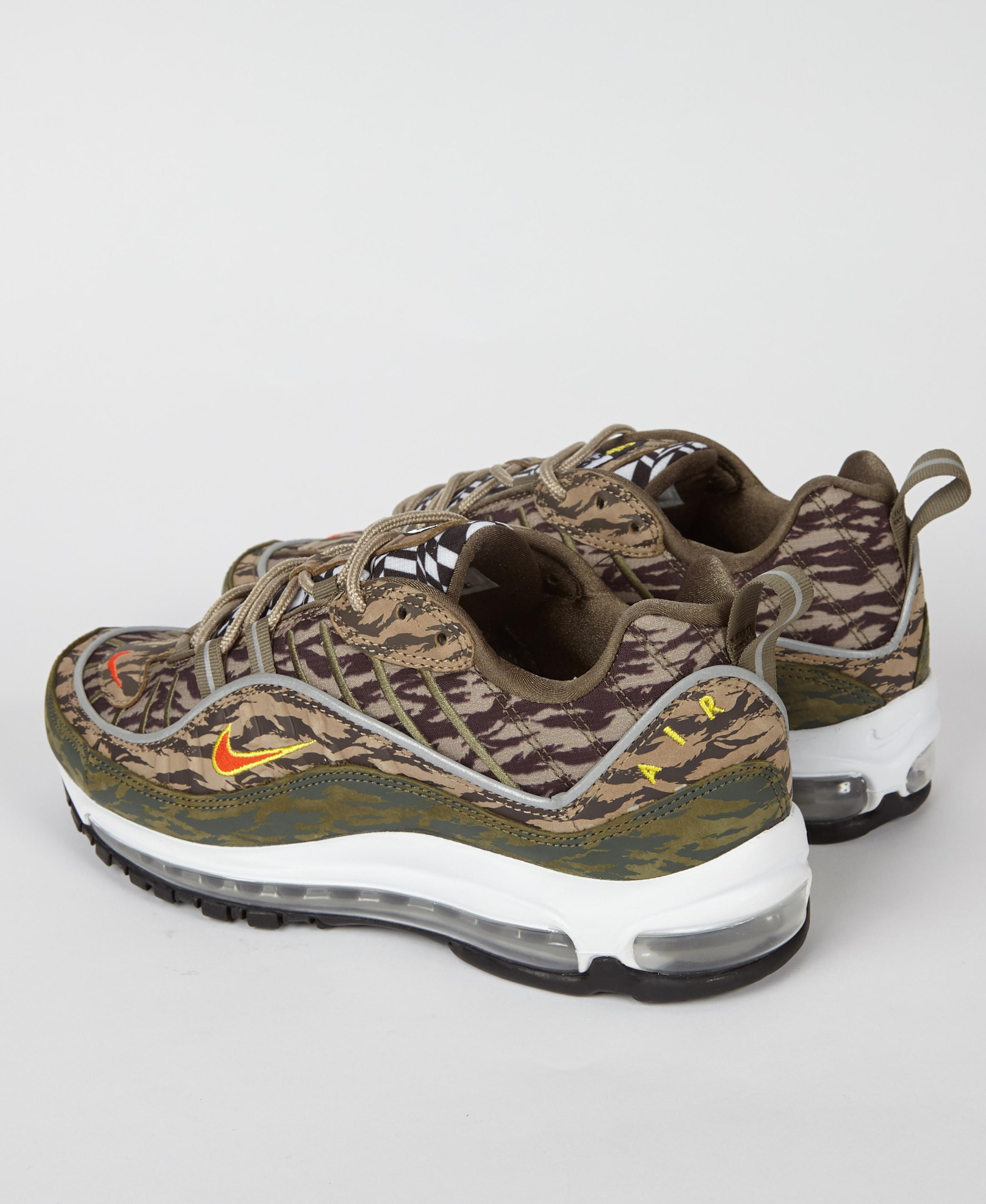Los invitados conductor fumar  for Men Lyst Nike Air Max 98 Aop Tiger Camo Sneaker in Olive Green