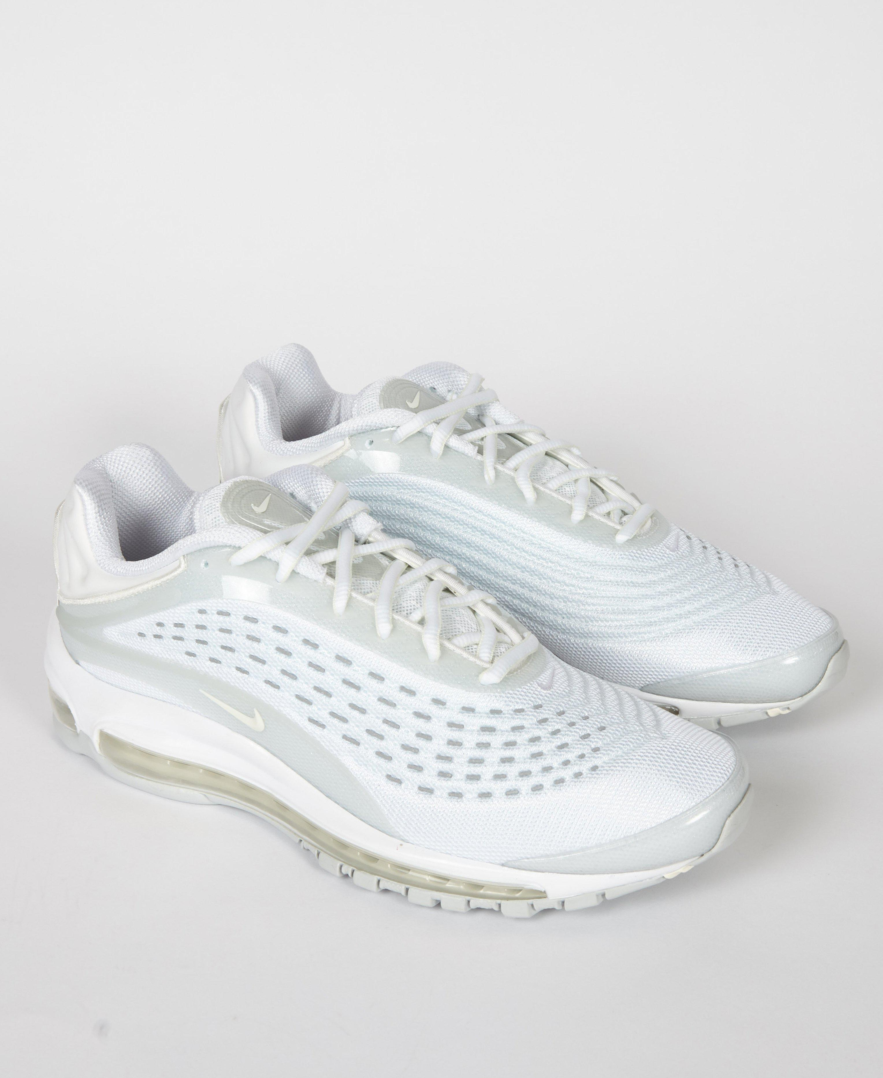 96fc344ad35cb Nike Air Max Deluxe  triple White  in White for Men - Save 40% - Lyst