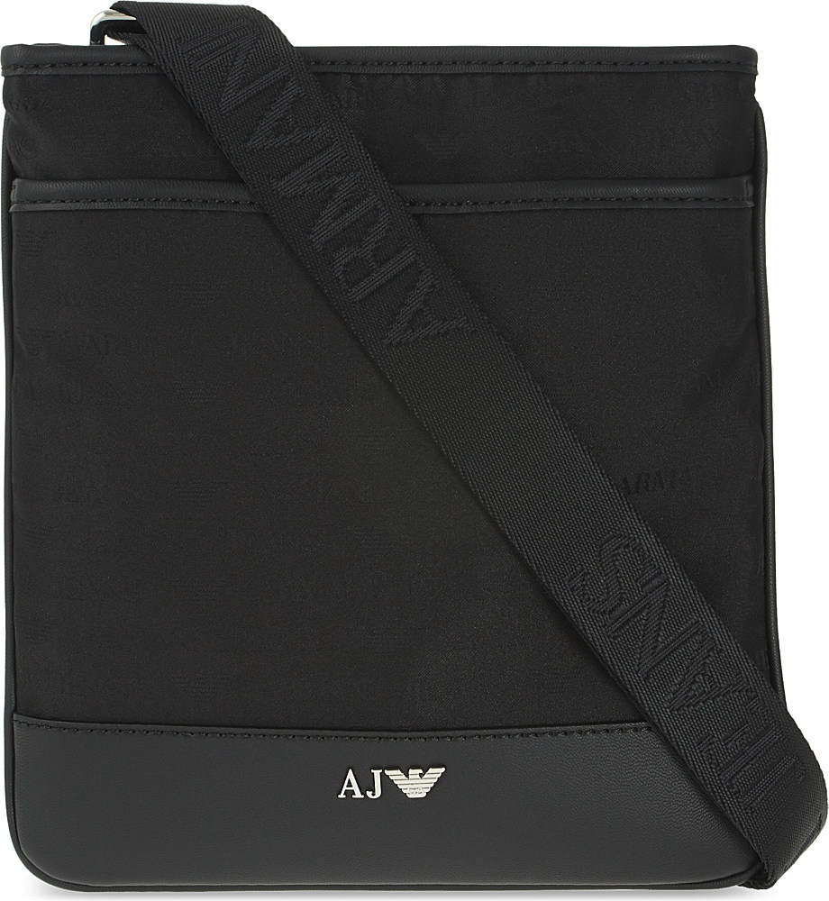 Armani Jeans Messenger Bag House Of Fraser - Jeans Frenchafricana ... 45c978eb66689