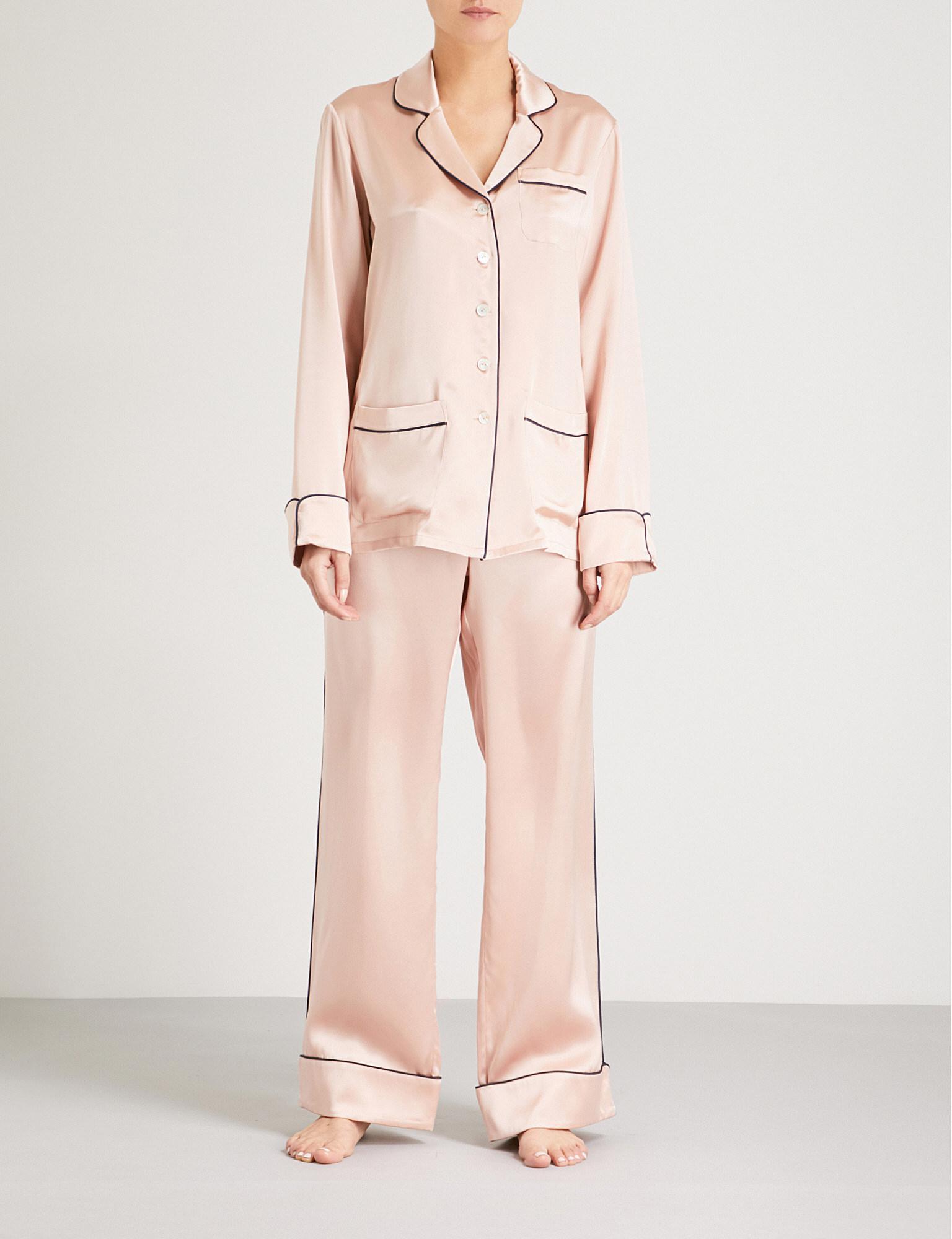 Lyst - Olivia Von Halle Coco Oyster Silk-satin Pyjama Set in Pink 352cfd63c