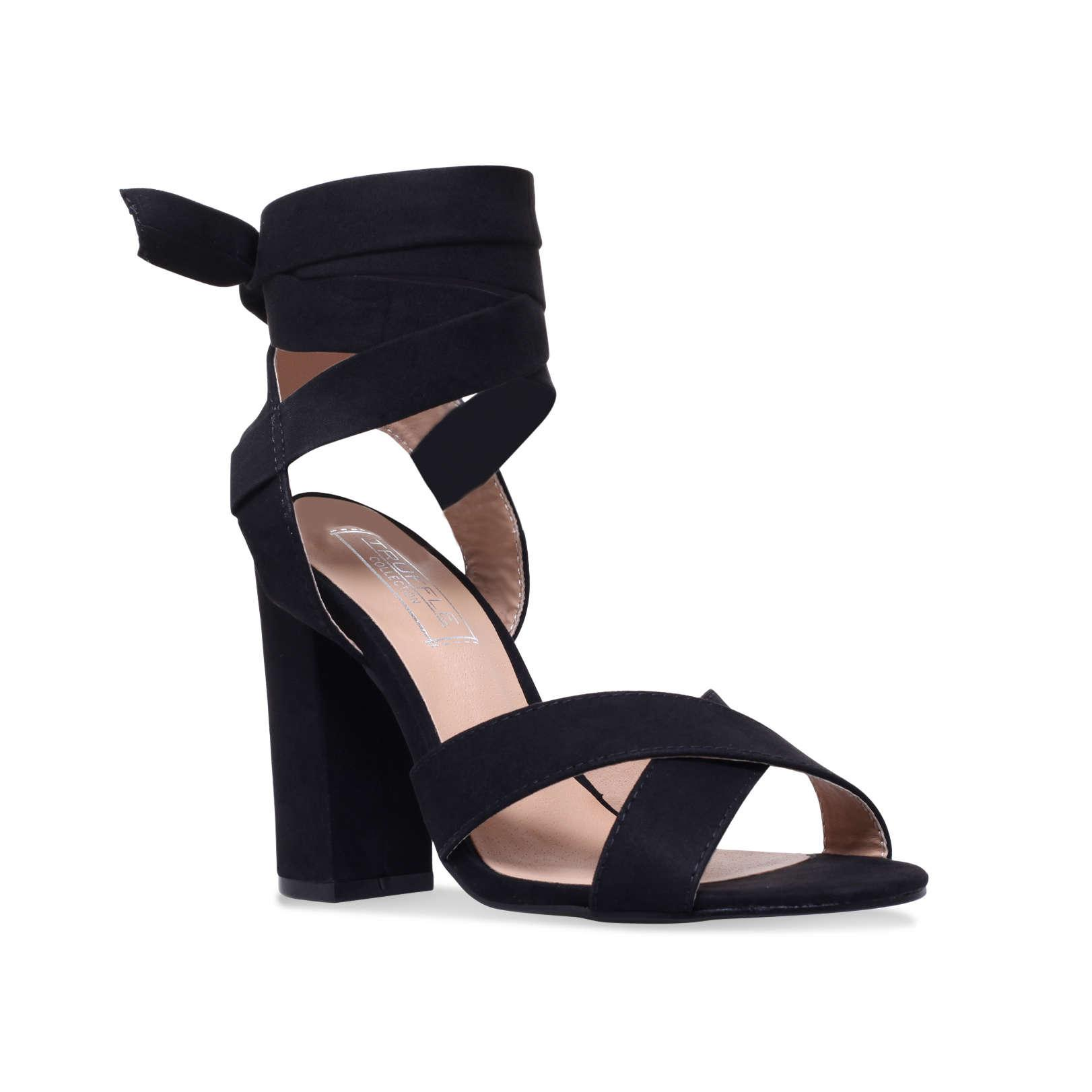 45a96f0ba66 Truffle Collection Vela in Black - Lyst