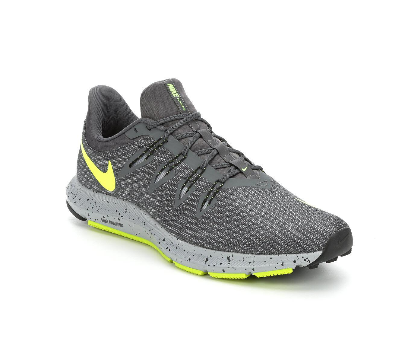 Nike Quest Trail Athletic Shoe in Gray