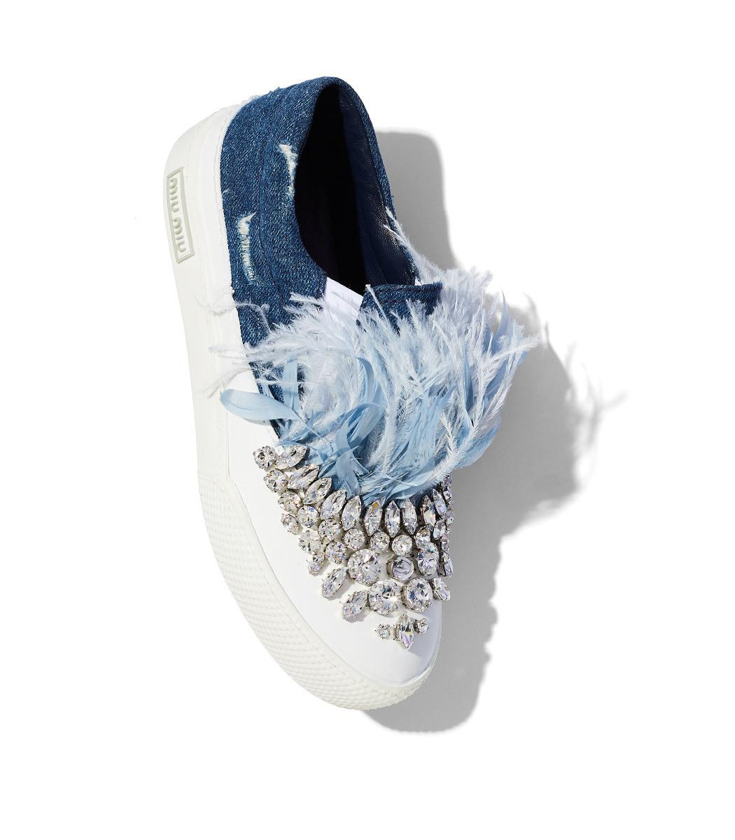 Miu Miu White & Blue Feather Crystal Slip-On Sneakers b9T4ENb10d