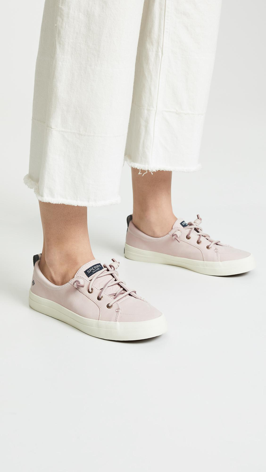 53c715a034b12 Women's Crest Vibe Washable Leather Sneakers