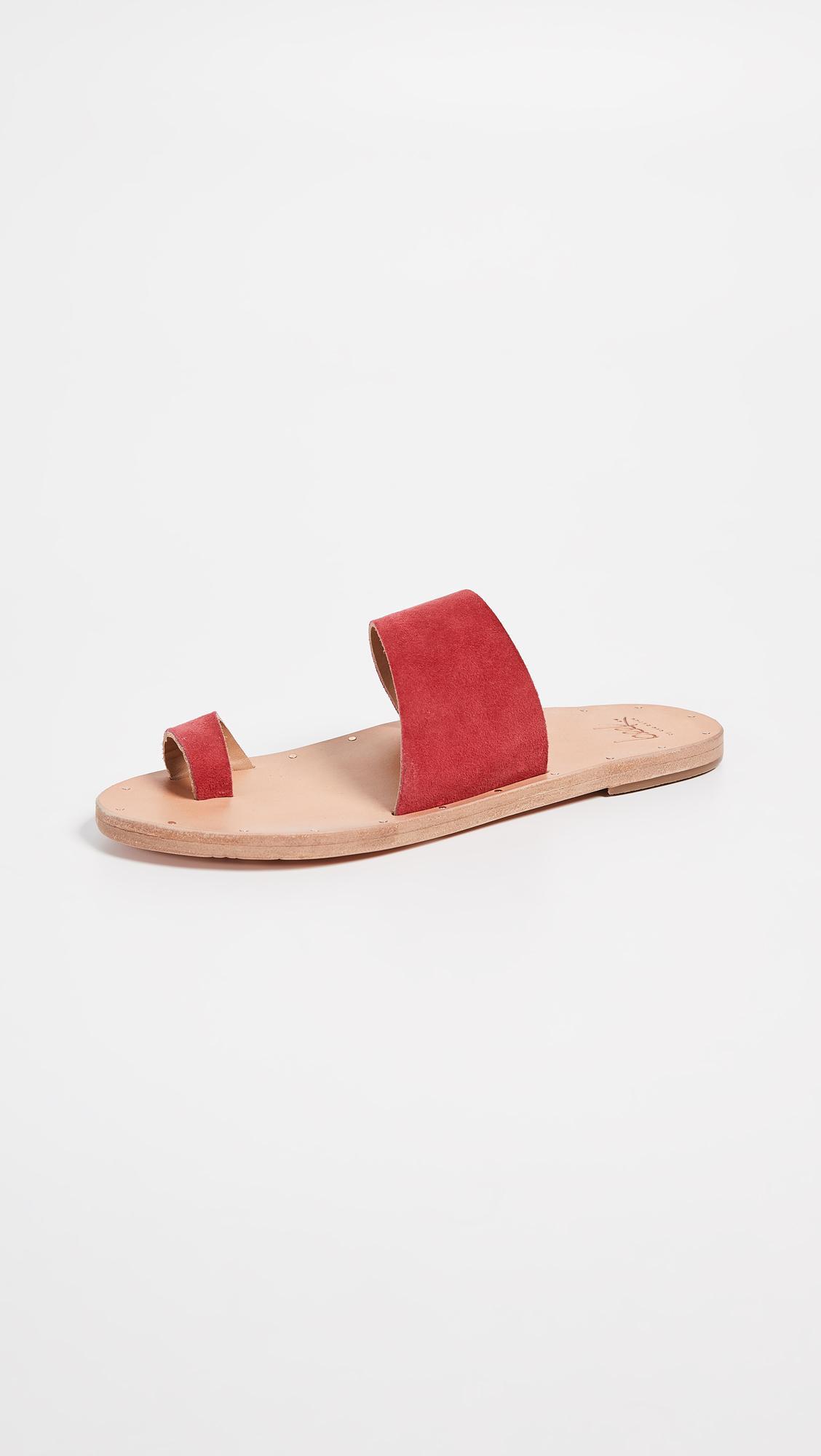 7880f0f6681fc7 Beek. Women s Finch Toe Ring Slides