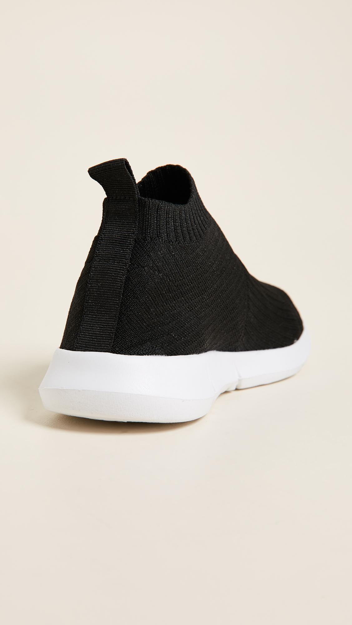 Steven by Steve Madden Fabs Knit Jogger Sneakers in Black