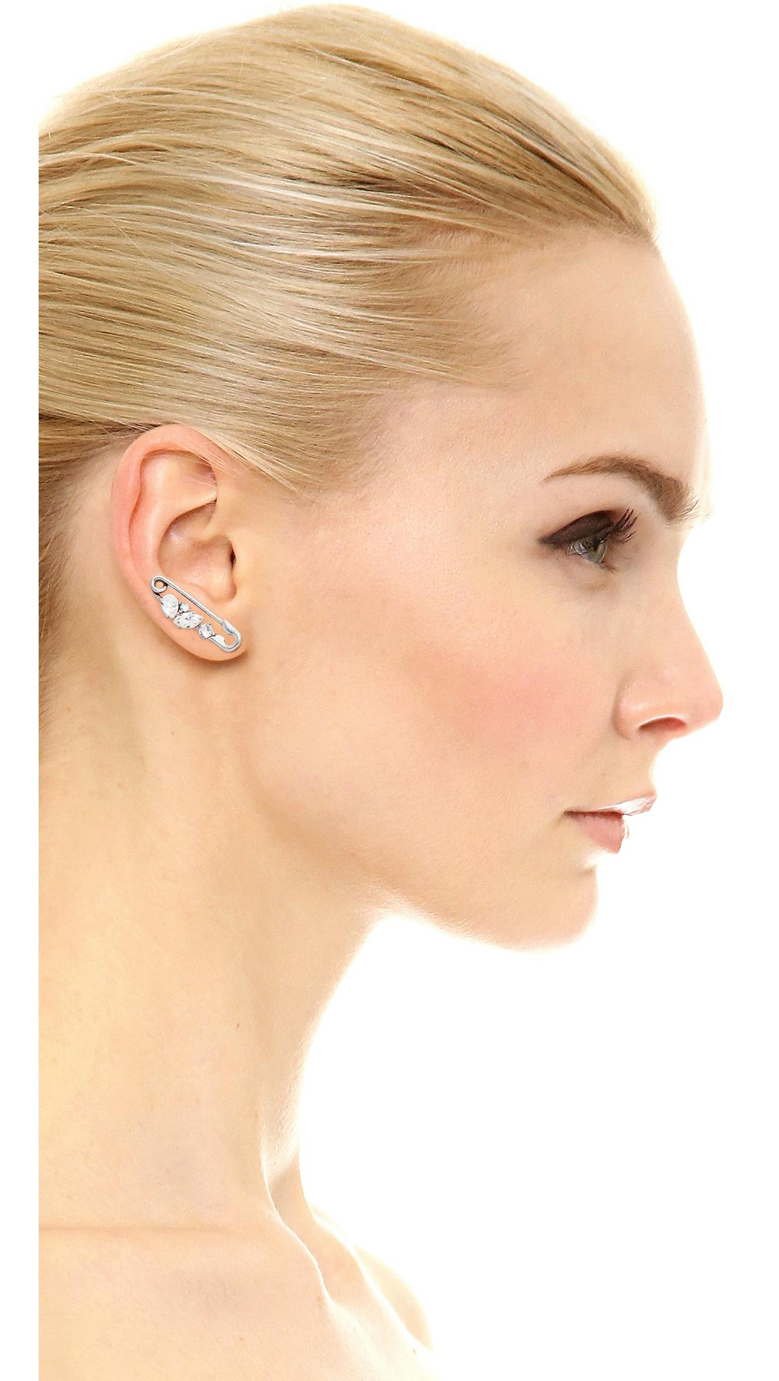 Marc Jacobs Strass Safety Pin Ear Crawler in Crystal/Antique Silver (Metallic)