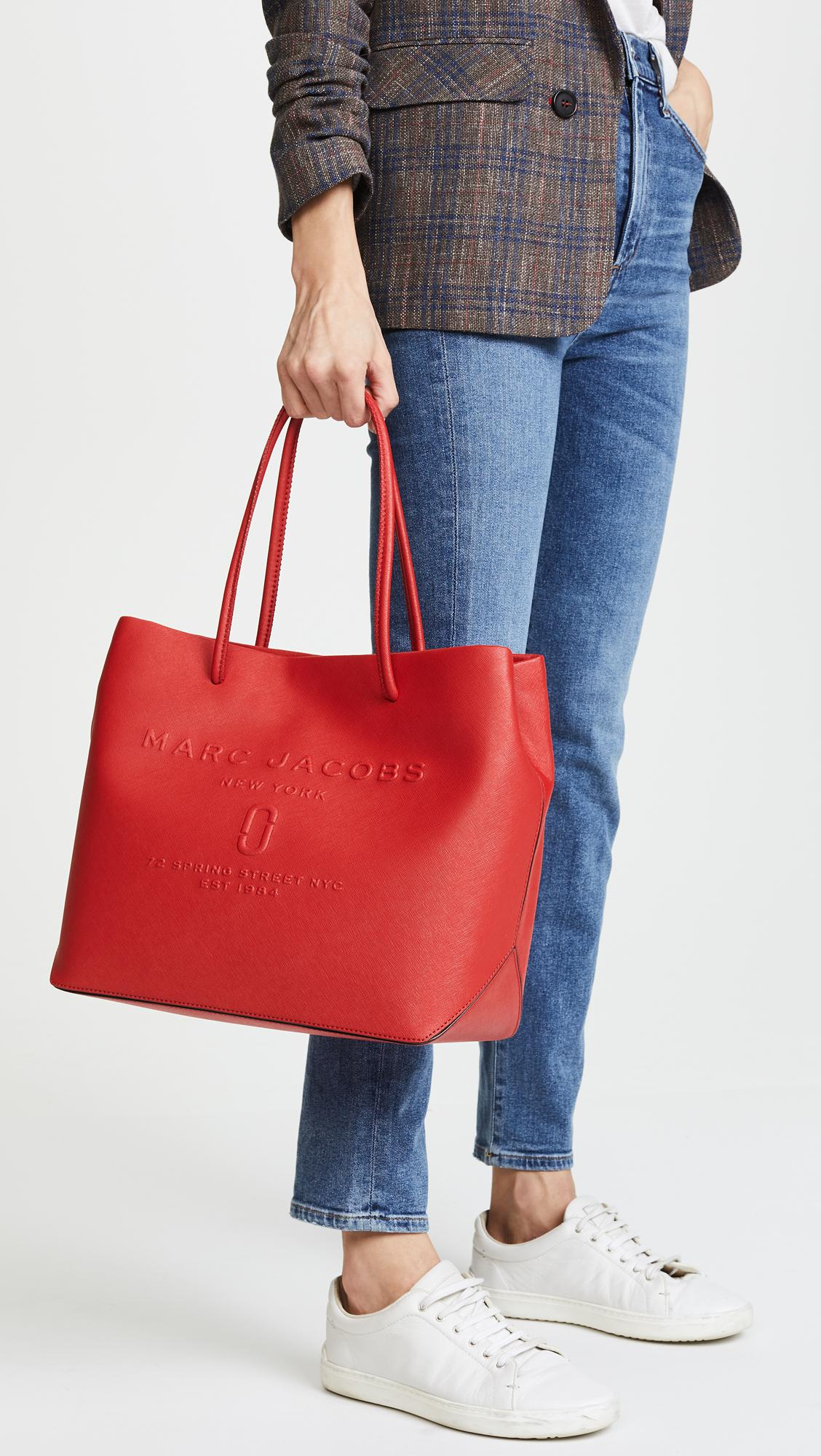 Marc Jacobs Leather Logo Shopper Tote in Red