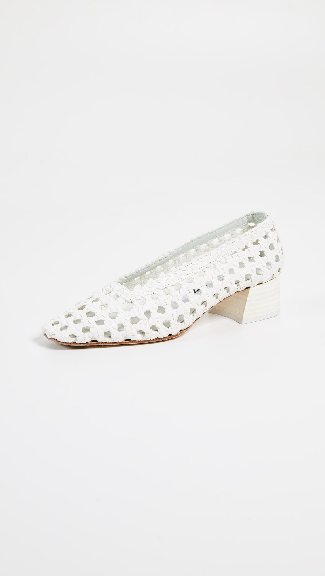 2ef905b414e Lyst - Miista Taissa Block Heel Pumps in White