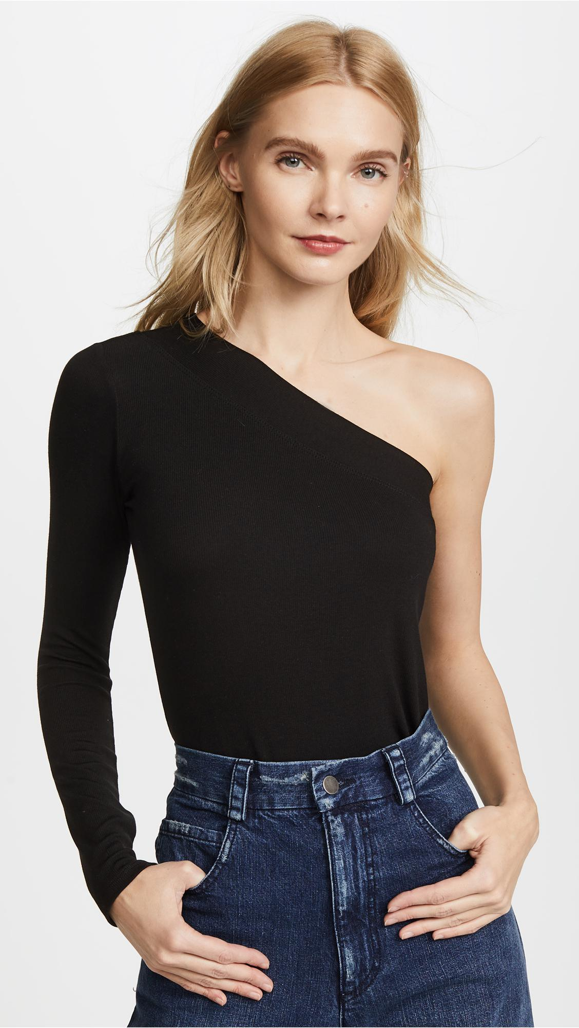 Taking it one step further from suggestion number 10, you can add in some sweat-free layering during the summer by matching your off-the-shoulder tops with cut-out strap bras.
