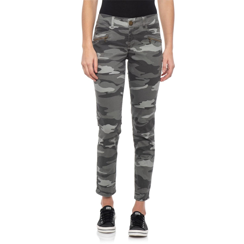 Democracy Women/'s Sage Camouflage Print Cuffed Hem Cropped Jeans Pants