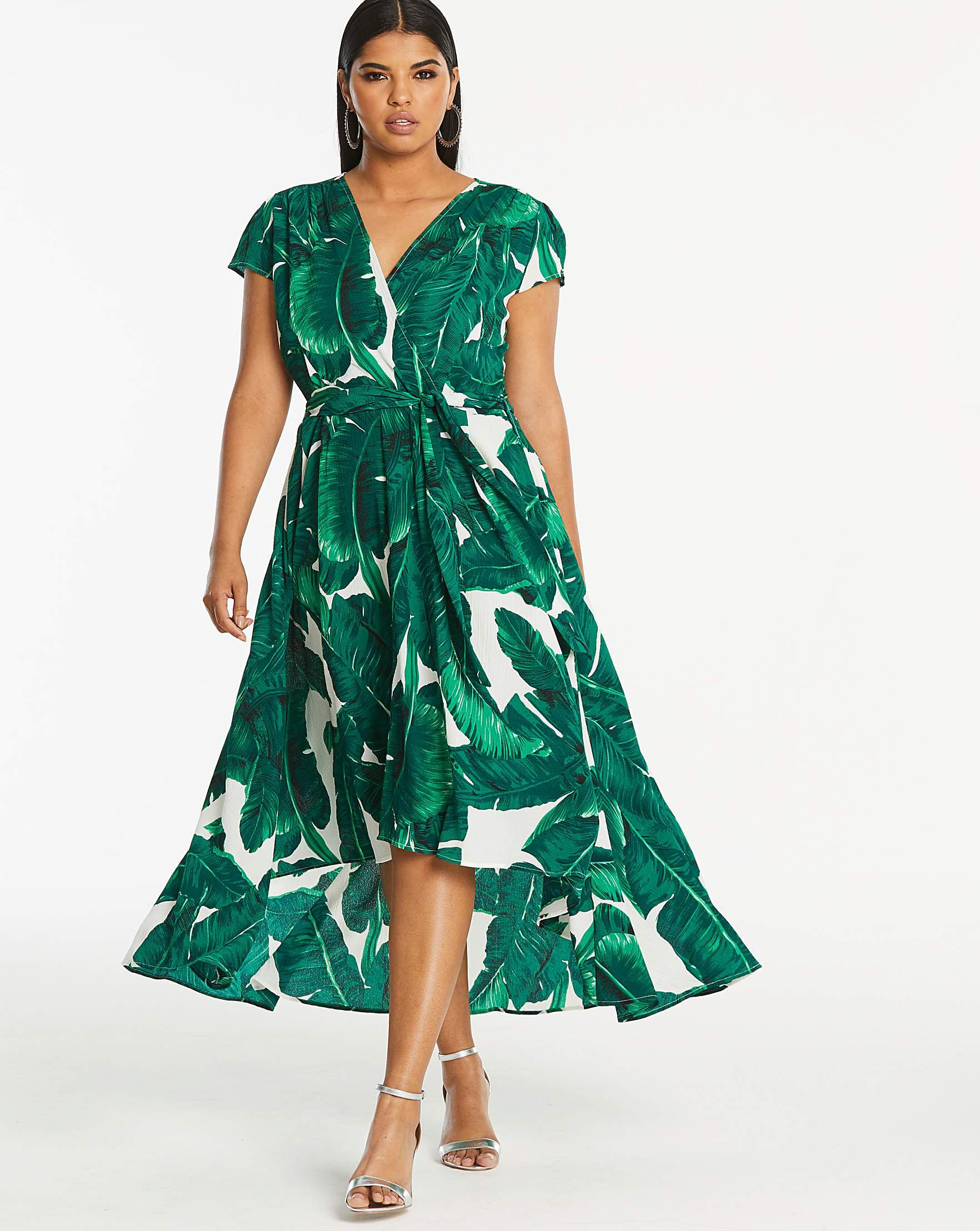 5970d2c979 AX Paris Curve Printed Dip Back Dress in Green - Lyst
