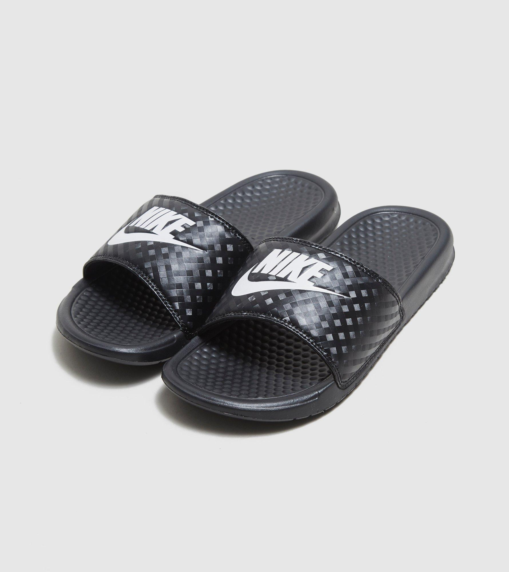 8485beb3d Gallery. Previously sold at  Size · Women s Nike Benassi ...