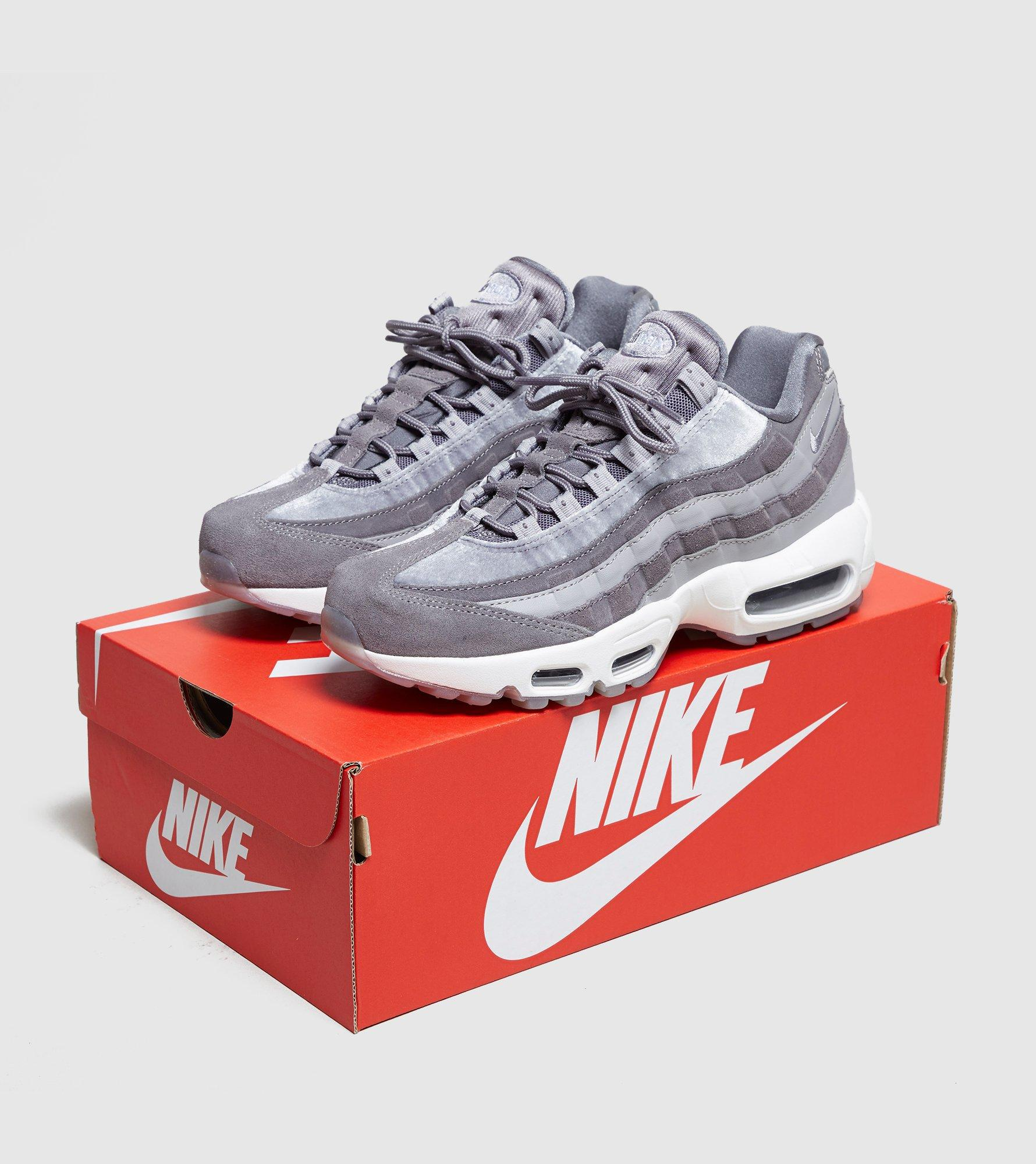 big sale 33303 29d5d Nike Air Max 95 Women s in Gray - Lyst
