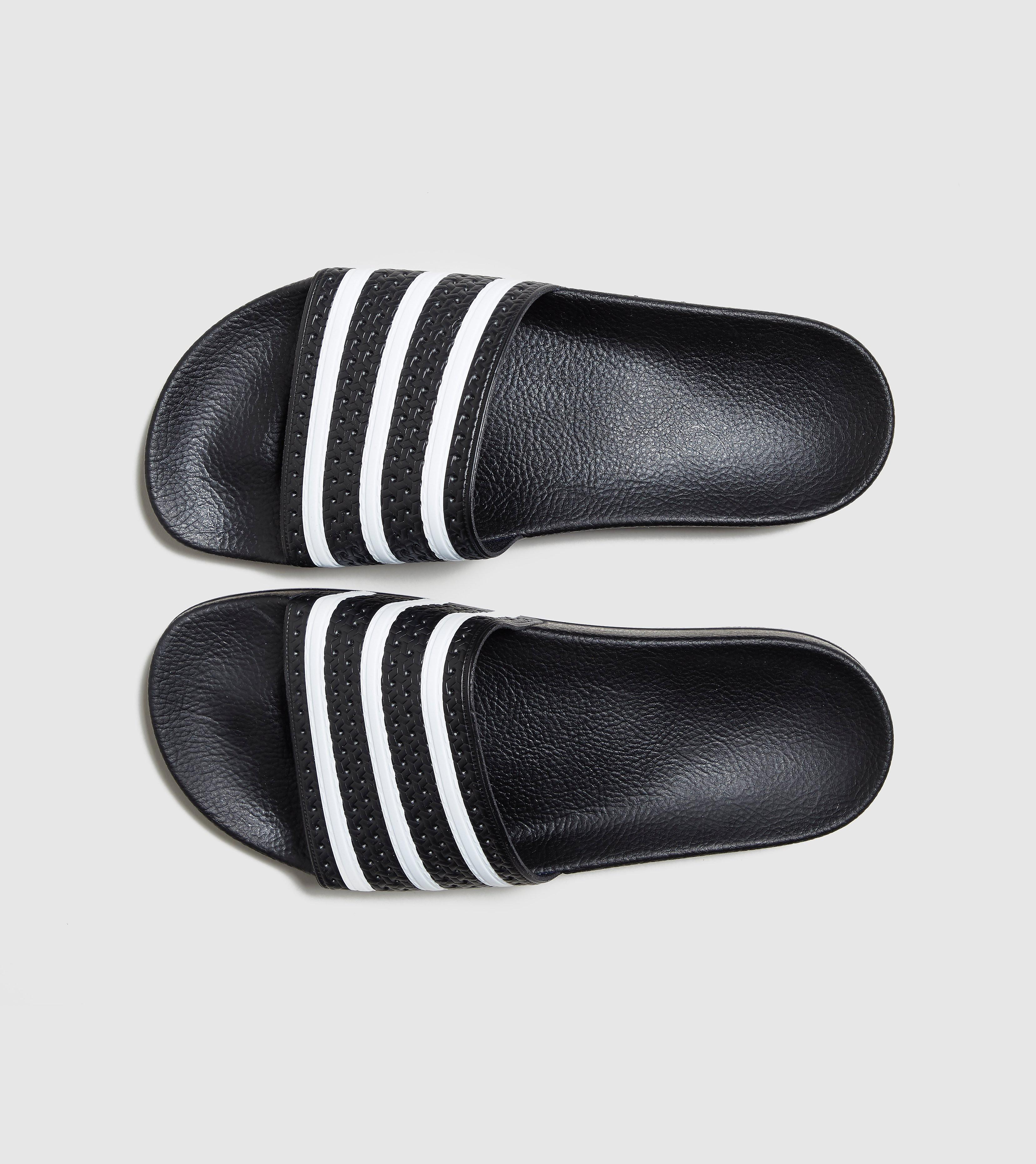 Adilette Slides adidas Originals de color Negro