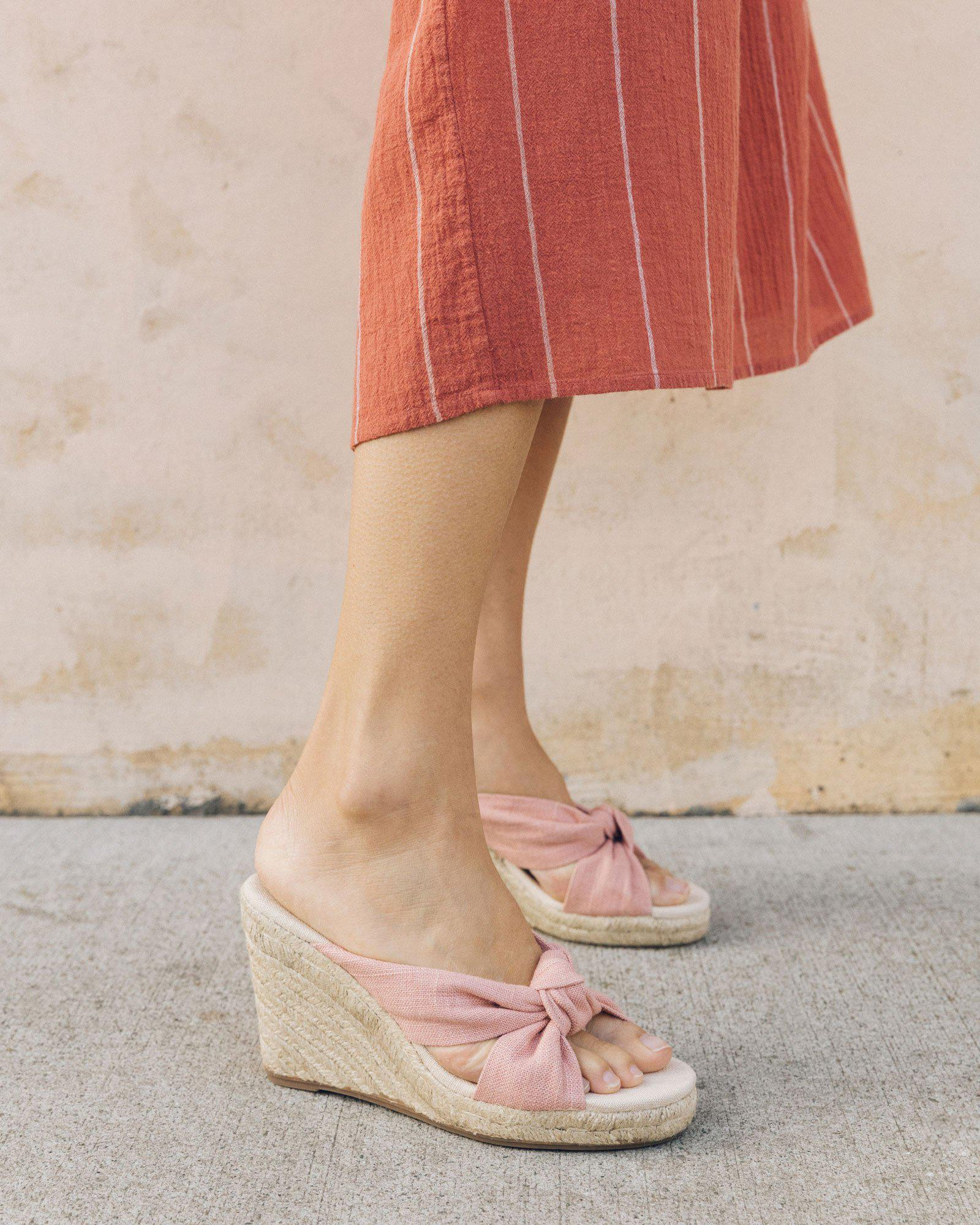 Soludos Linen Knotted Wedge in Dusty