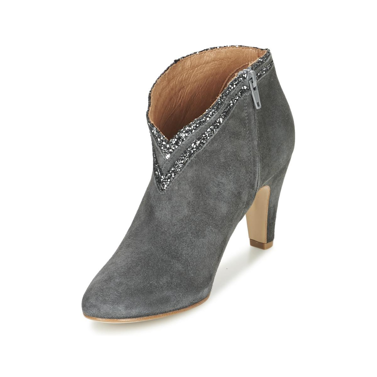 Petite Mendigote Leather Granier Women's Low Ankle Boots In Grey in Grey
