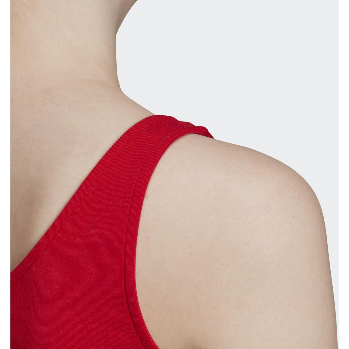 Crop top Brassières de sport adidas en coloris Rouge