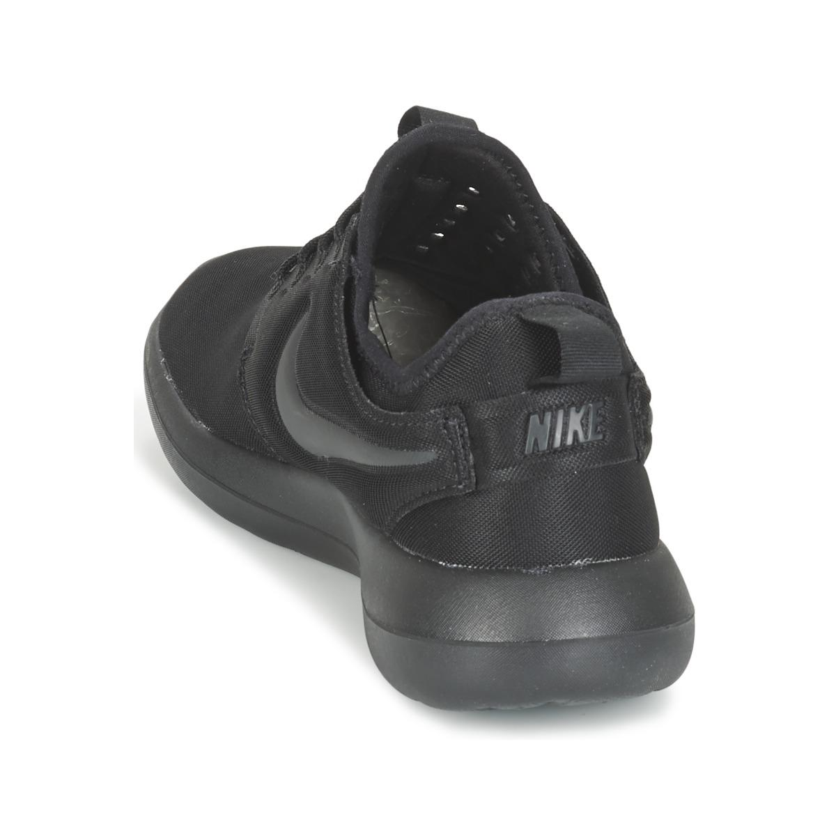 Nike Roshe Two W Women's Shoes (trainers) In Black