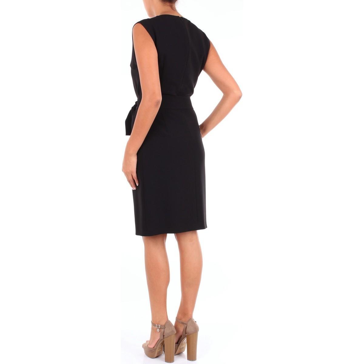 A04571124 femmes Robe en Noir Moschino en coloris Noir